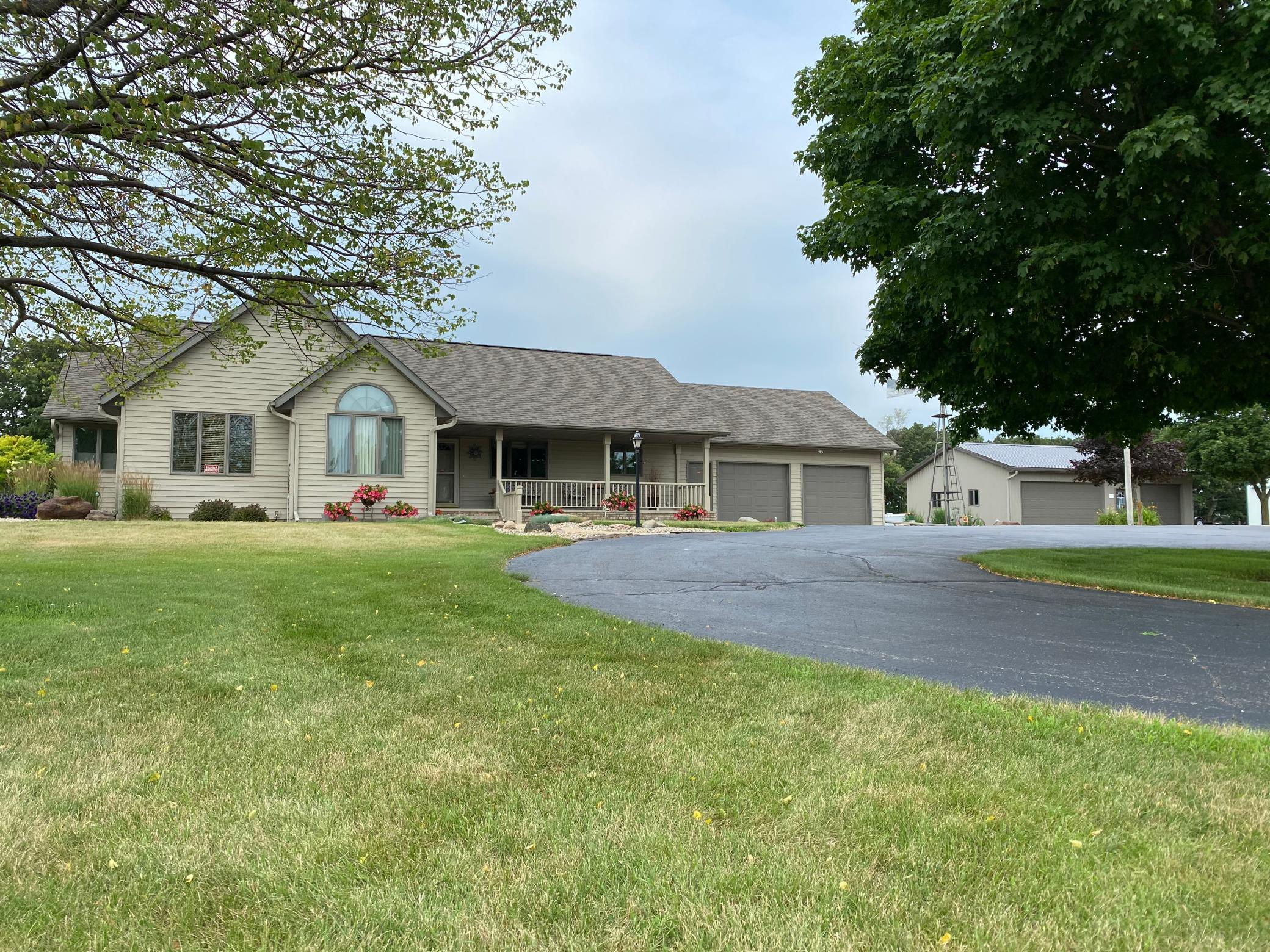 75802 State Line Road Property Photo - Glenville, MN real estate listing