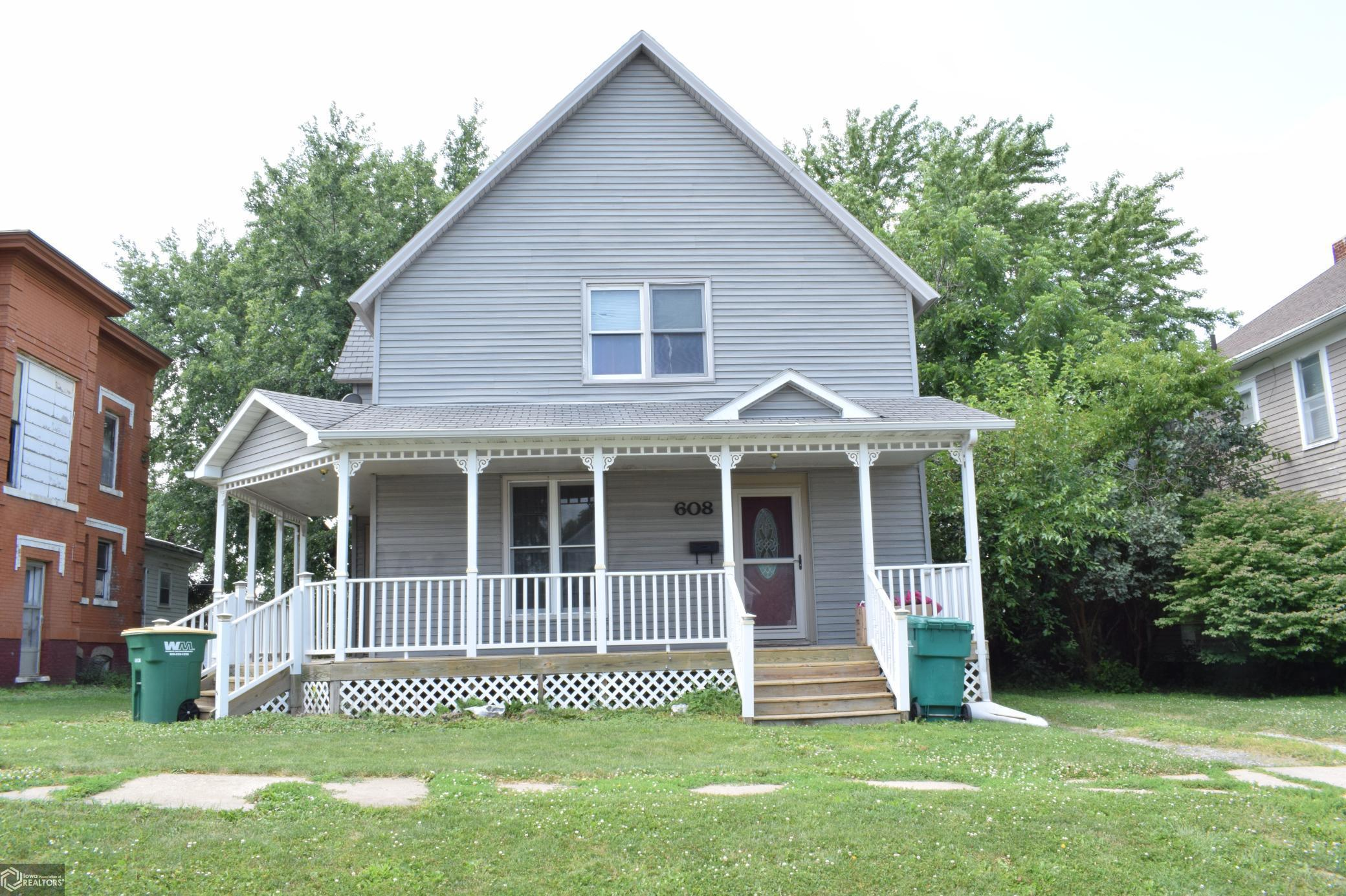 608 Maple Property Photo - Creston, IA real estate listing