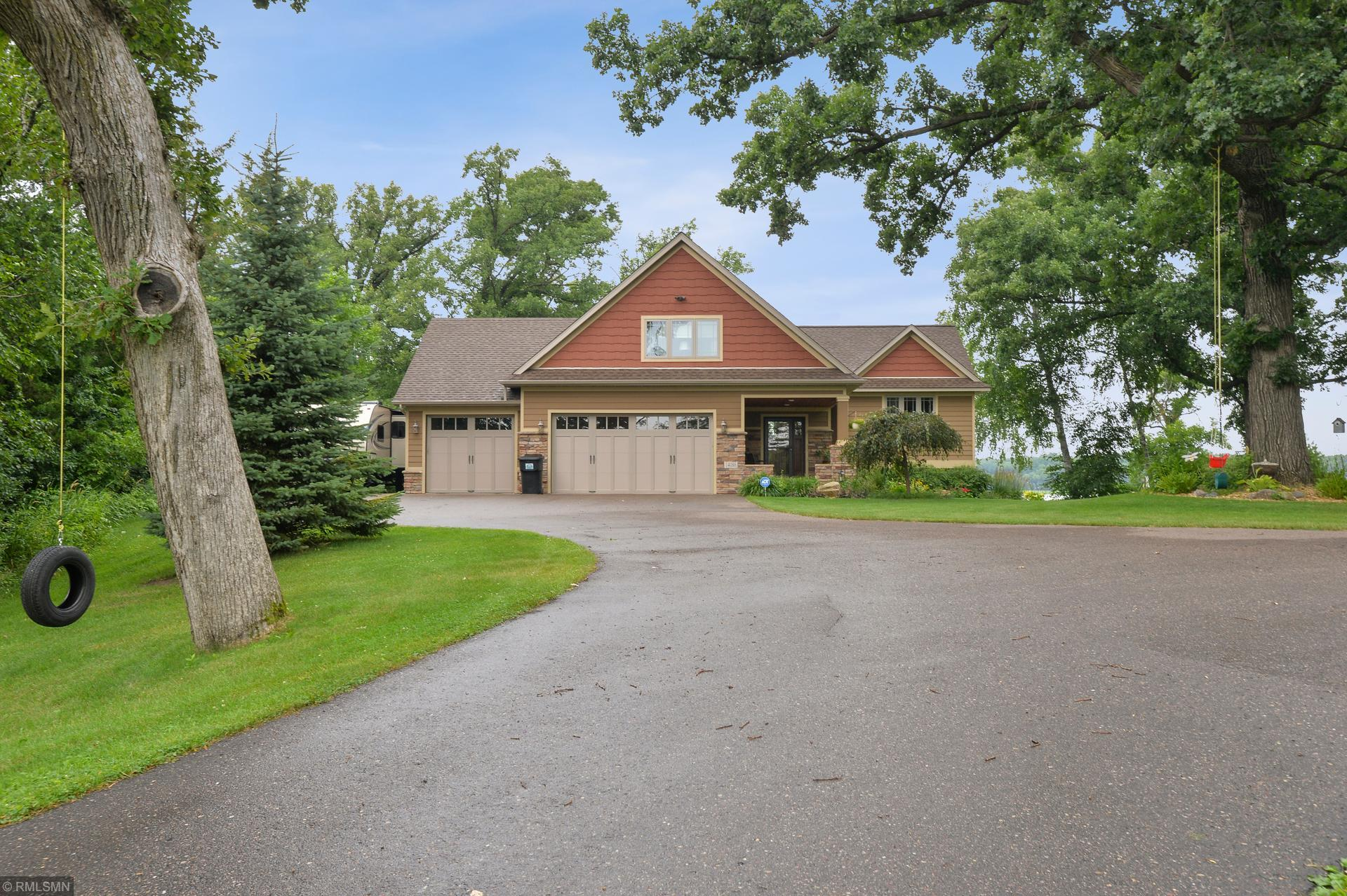 14086 Chisago Boulevard Property Photo - Lindstrom, MN real estate listing