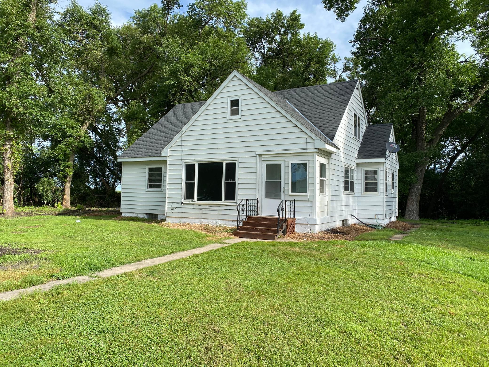 72322 Co Road 3 Property Photo - Fairfax, MN real estate listing