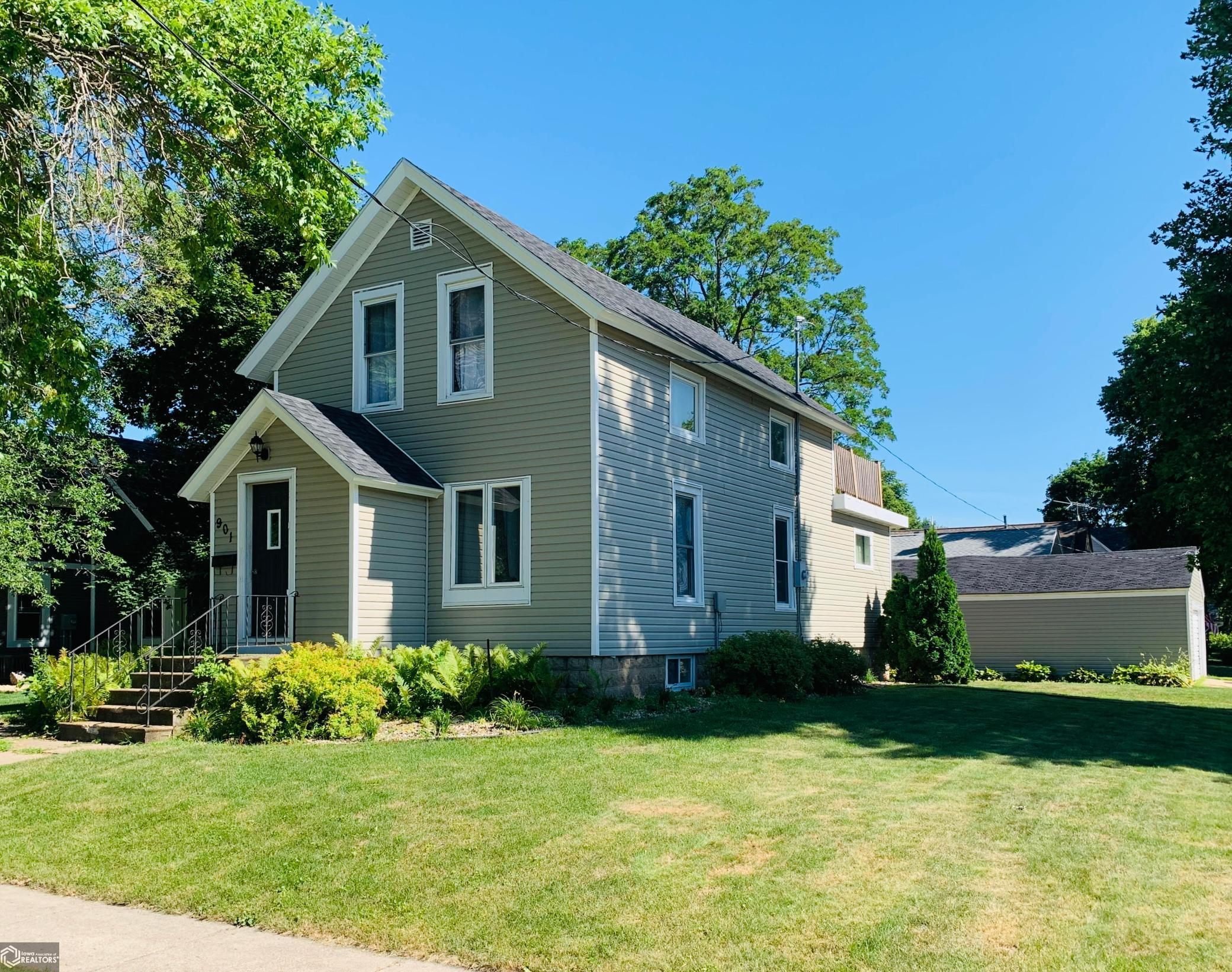 901 7th N Property Photo - Clear Lake, IA real estate listing