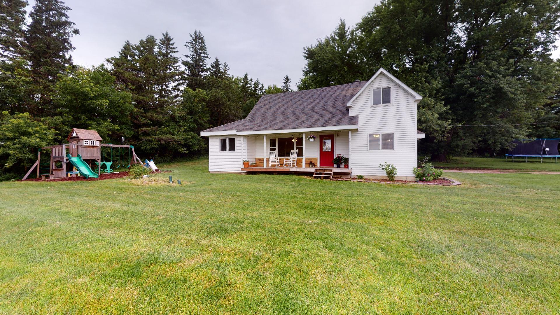 8370 168th Property Photo - Ellendale, MN real estate listing