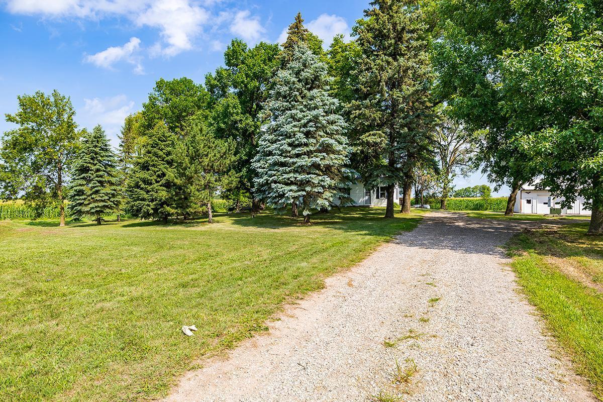 7808 Highway 7 Property Photo
