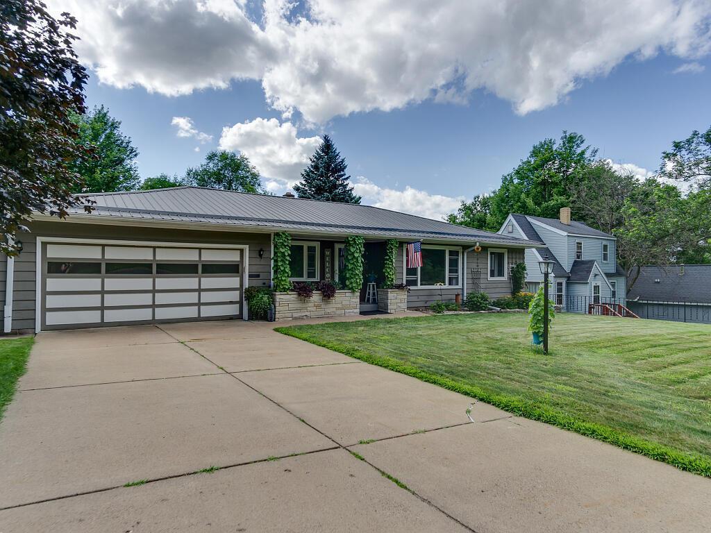516 Davis Avenue Property Photo - Eau Claire, WI real estate listing