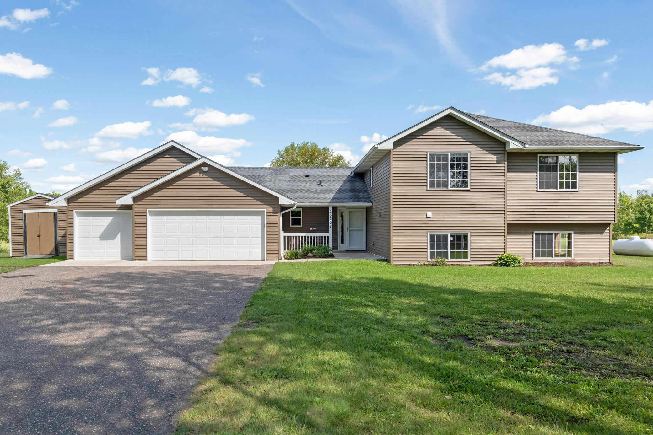 23207 Spring Hill Road NW Property Photo - Saint Francis, MN real estate listing