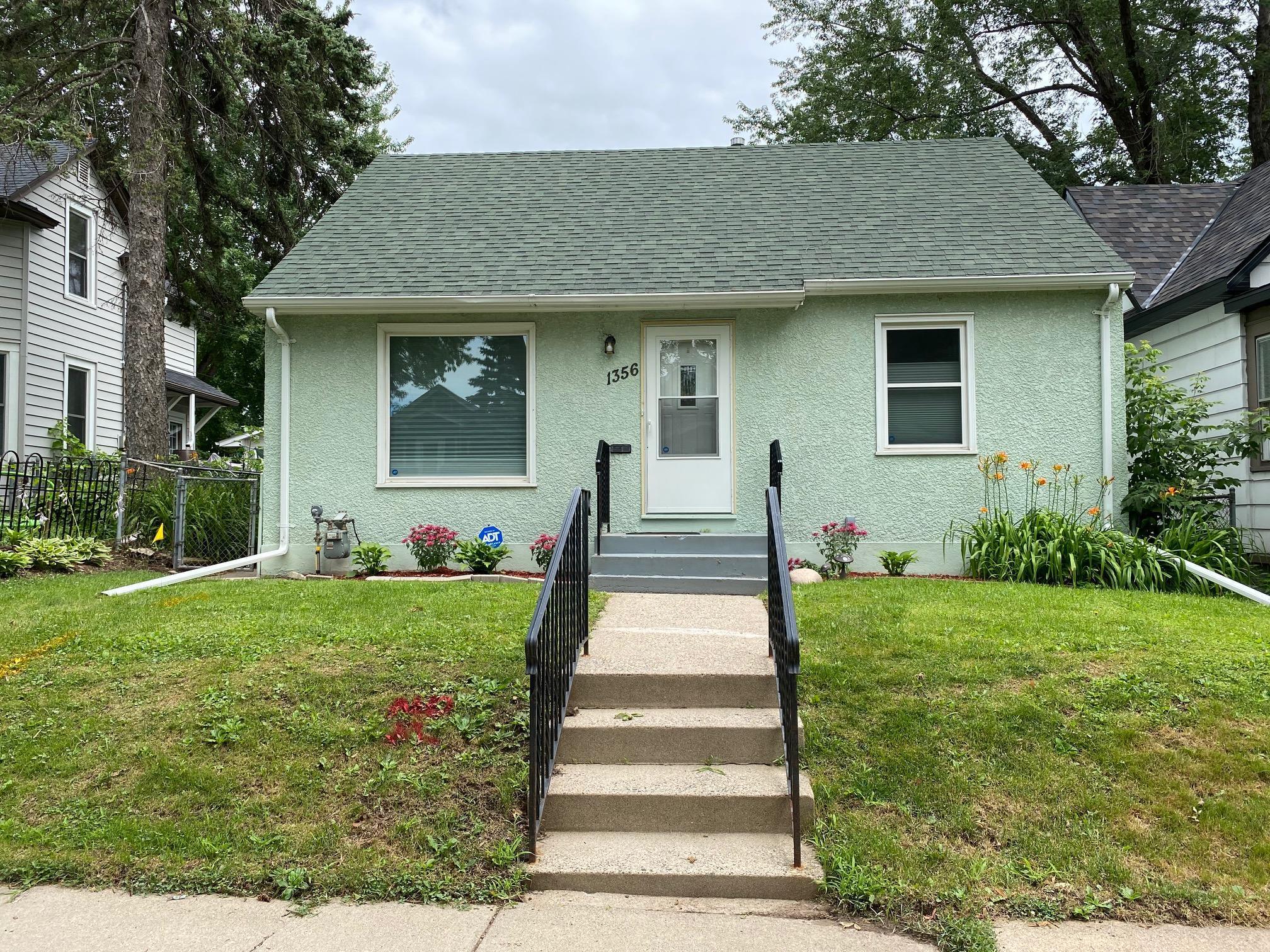 1356 Searle Street Property Photo - Saint Paul, MN real estate listing