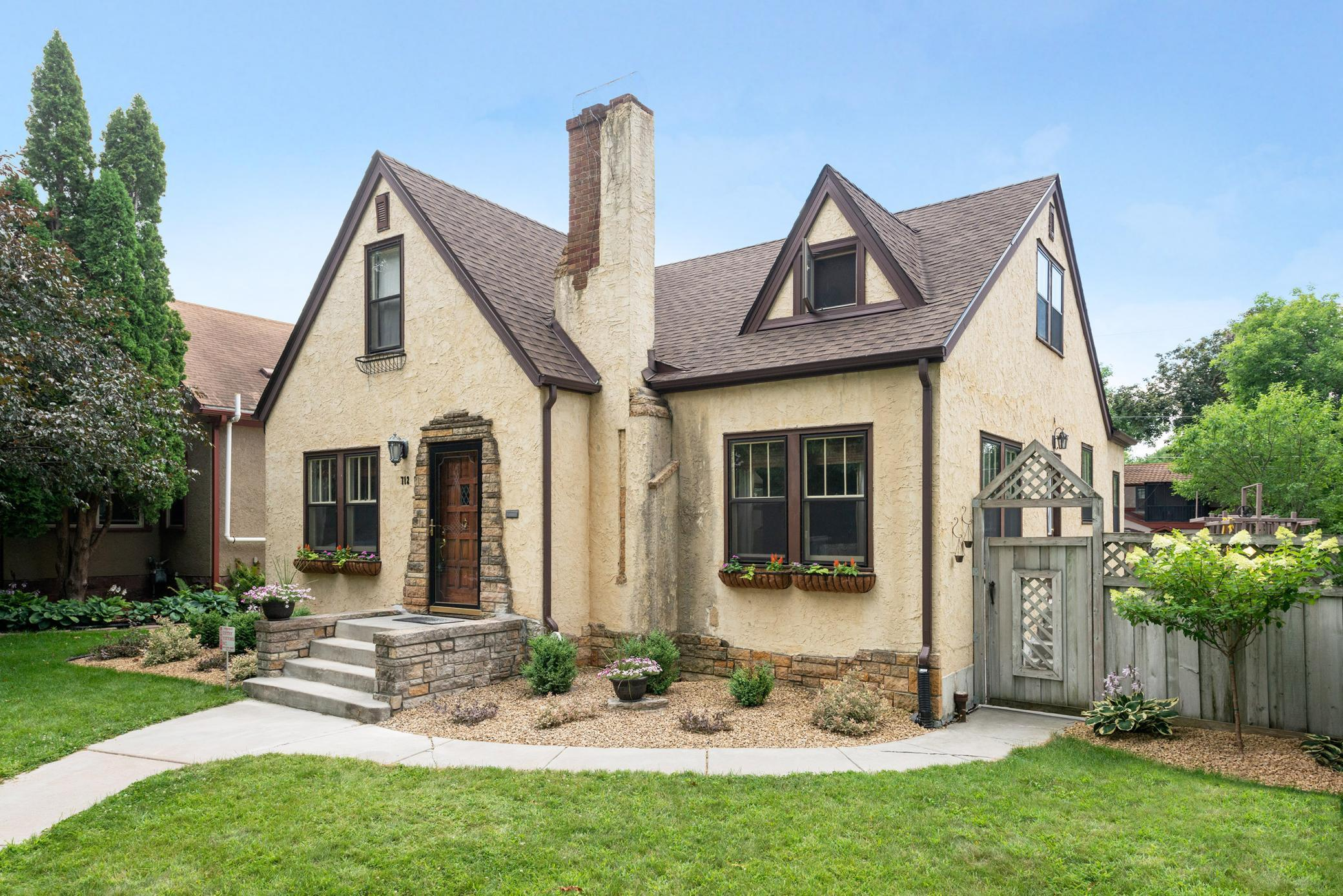 712 Nebraska Avenue E Property Photo - Saint Paul, MN real estate listing