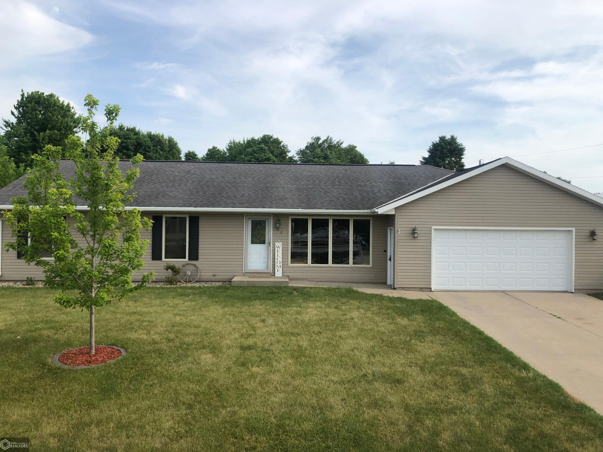 51444 Real Estate Listings Main Image