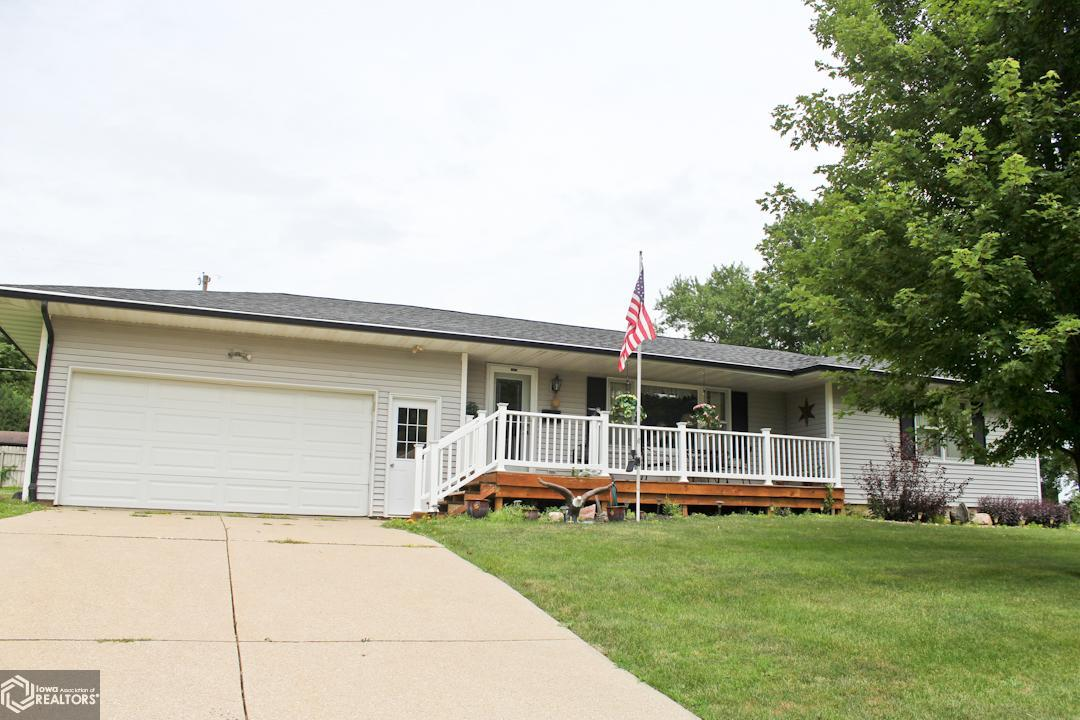 2801 Nelson Property Photo - Marshalltown, IA real estate listing