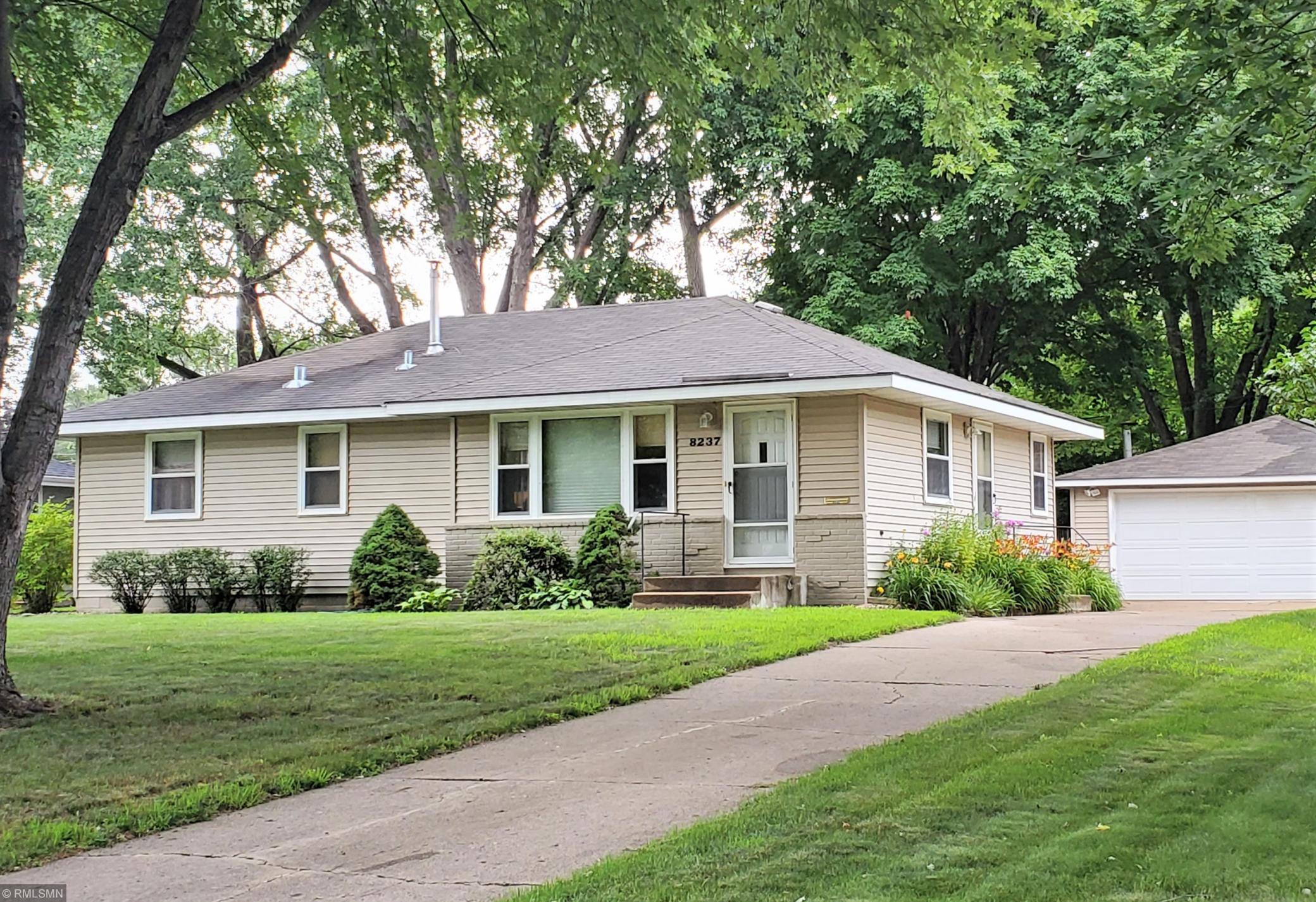 8237 14th Avenue S Property Photo - Bloomington, MN real estate listing