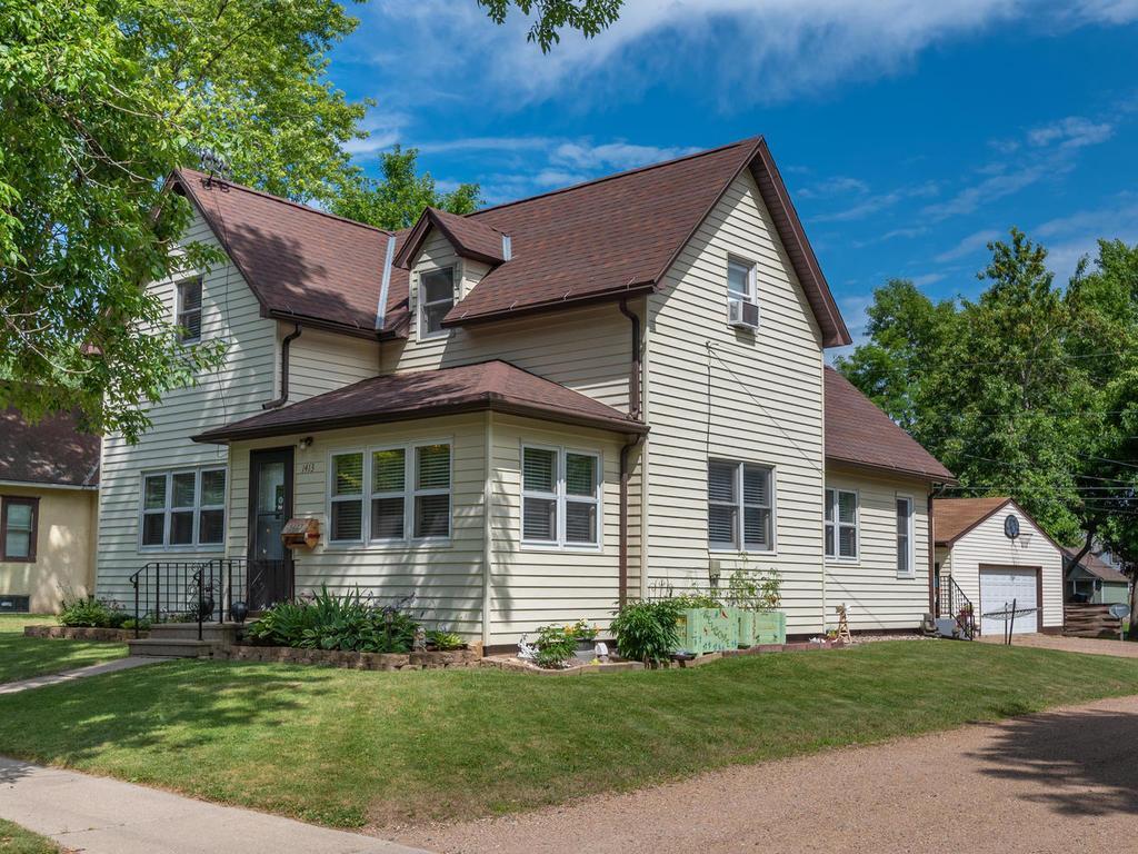 1413 11th Street E Property Photo - Glencoe, MN real estate listing