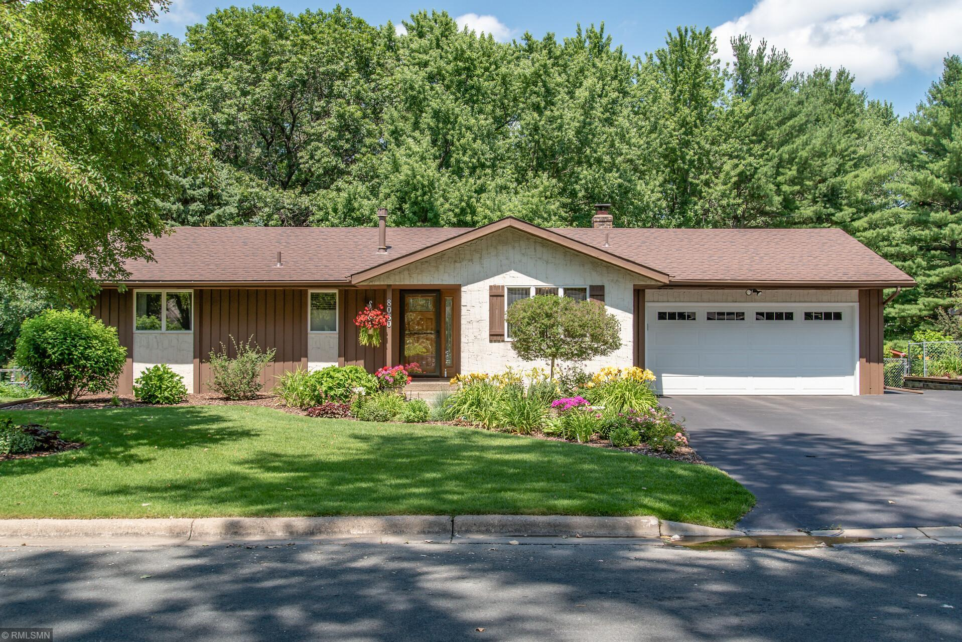8080 Casper Way Property Photo - Inver Grove Heights, MN real estate listing