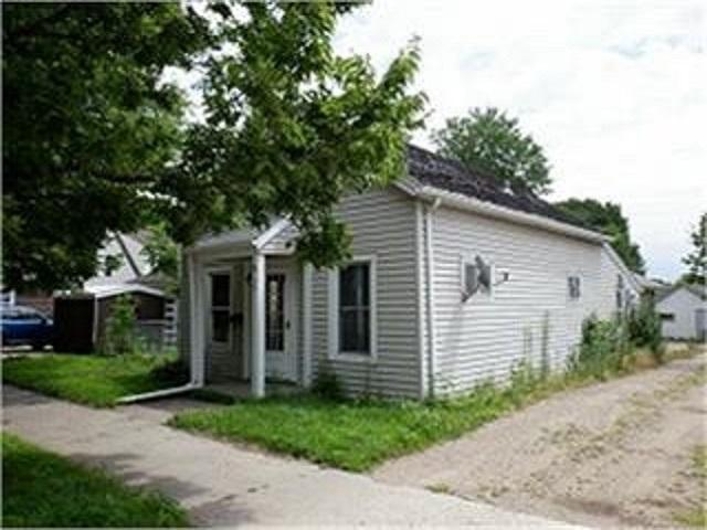 511 4th Property Photo - Saint Peter, MN real estate listing
