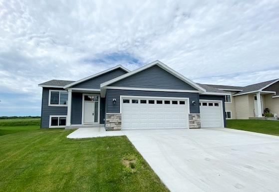 210 Whitetail Lane Property Photo - Kenyon, MN real estate listing