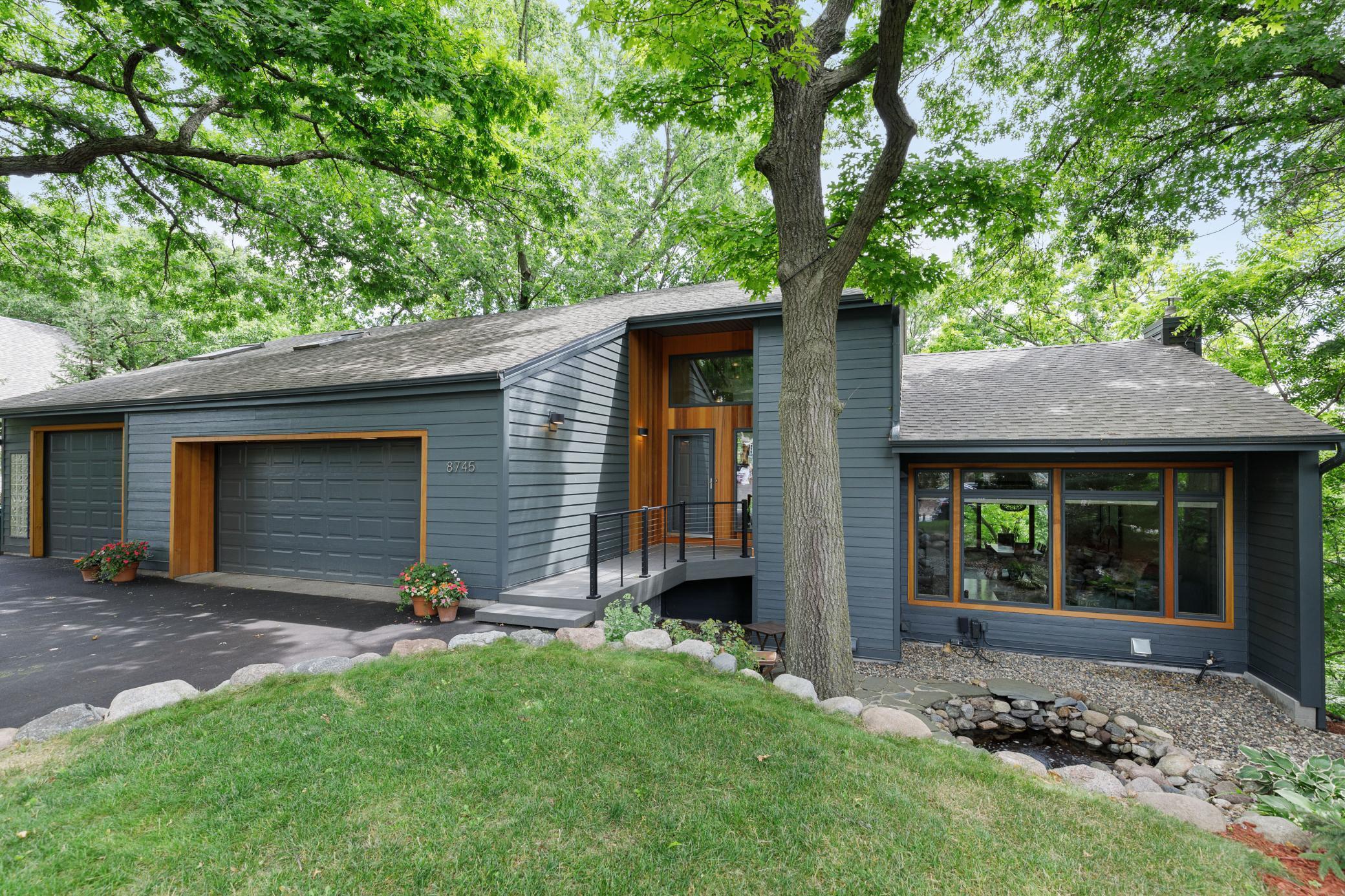 8745 Walton Oaks Drive Property Photo - Bloomington, MN real estate listing