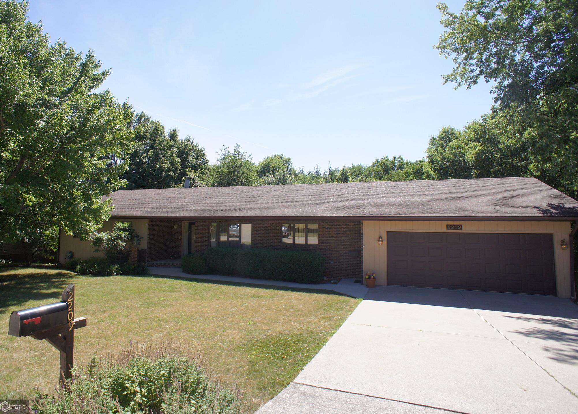 2206 North Terrace Property Photo - Webster City, IA real estate listing