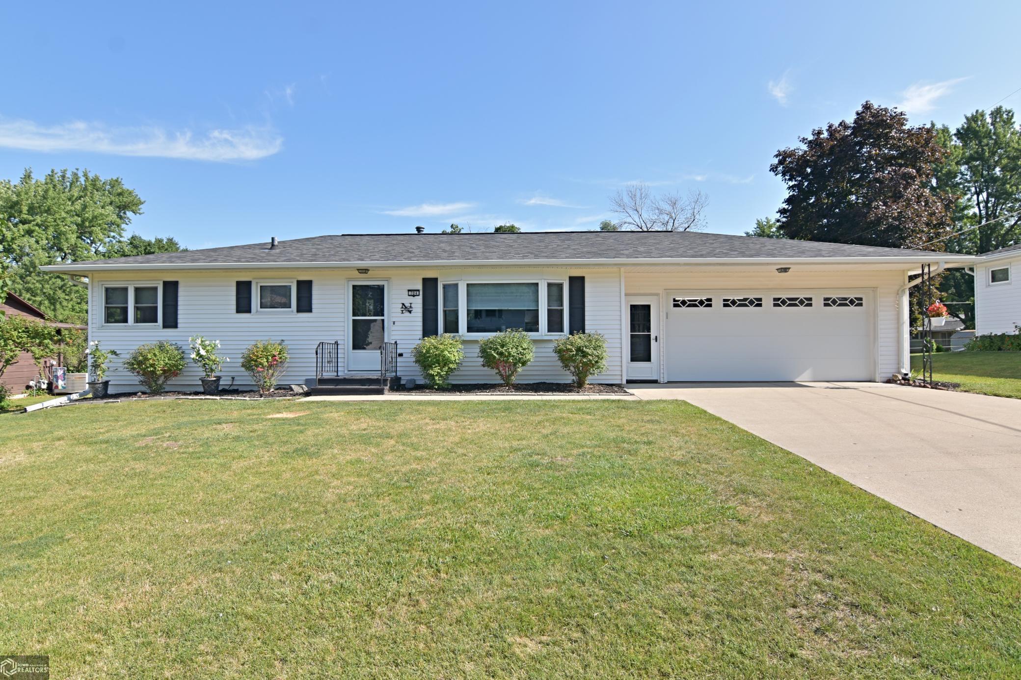 704 Ratcliffe Property Photo - Marshalltown, IA real estate listing