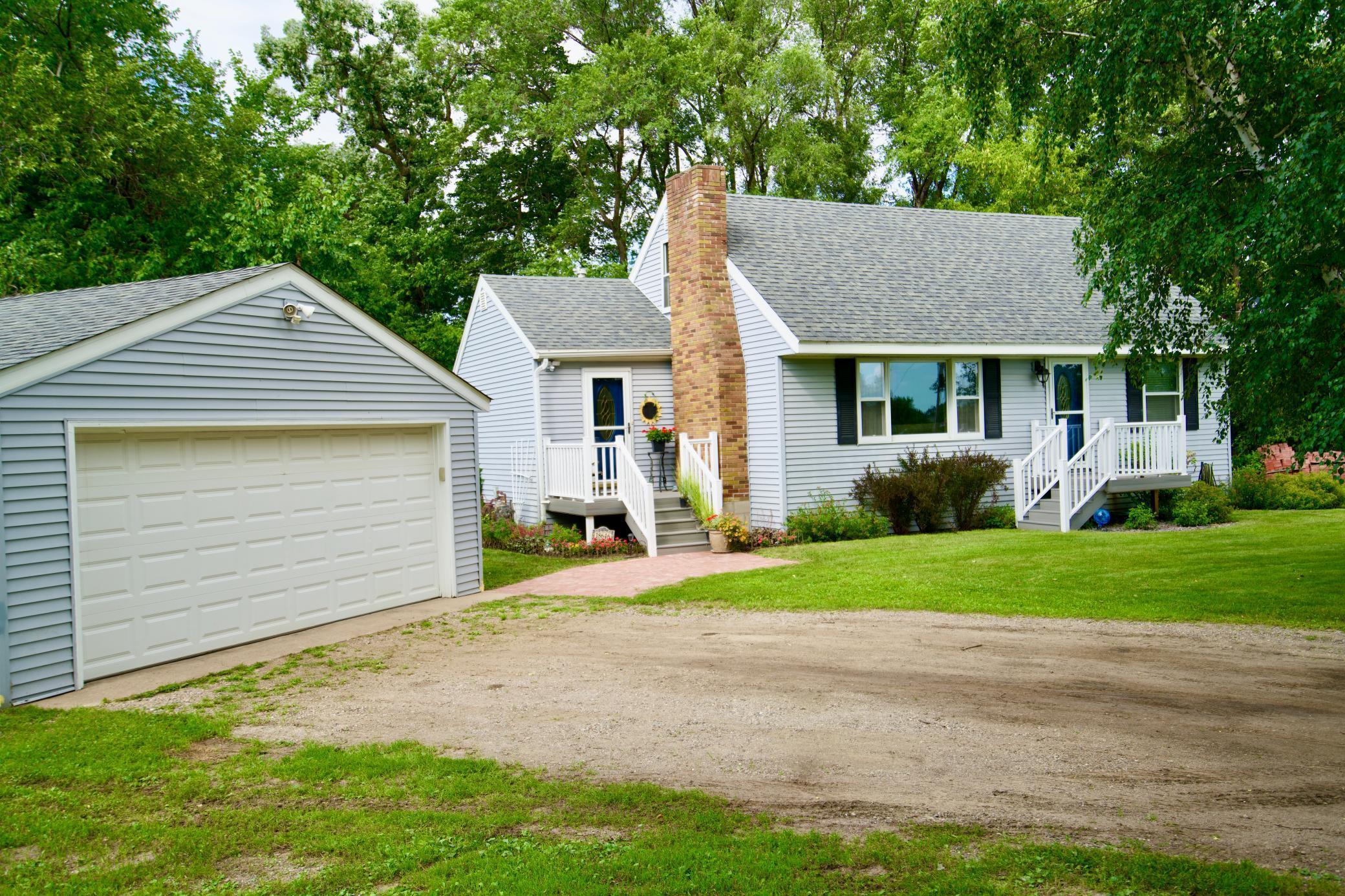 Alderwood Estates Real Estate Listings Main Image