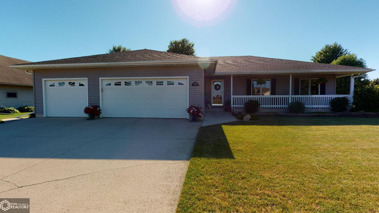 1144 Onyx Ct Property Photo - Mason City, IA real estate listing