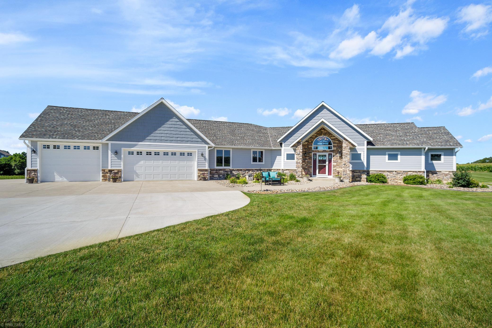 25259 Blaine Property Photo - Farmington, MN real estate listing