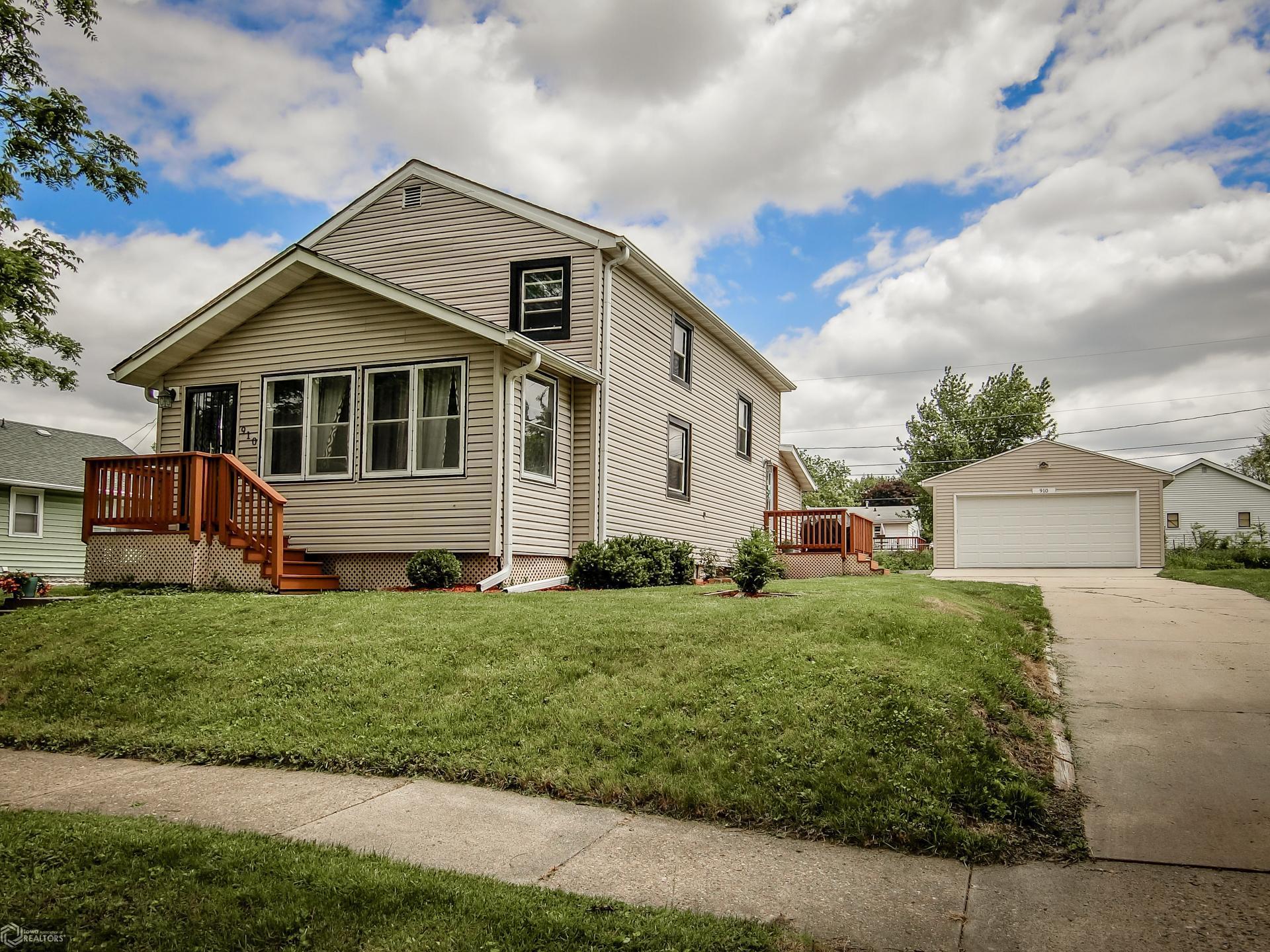910 Finkle Property Photo - Marshalltown, IA real estate listing