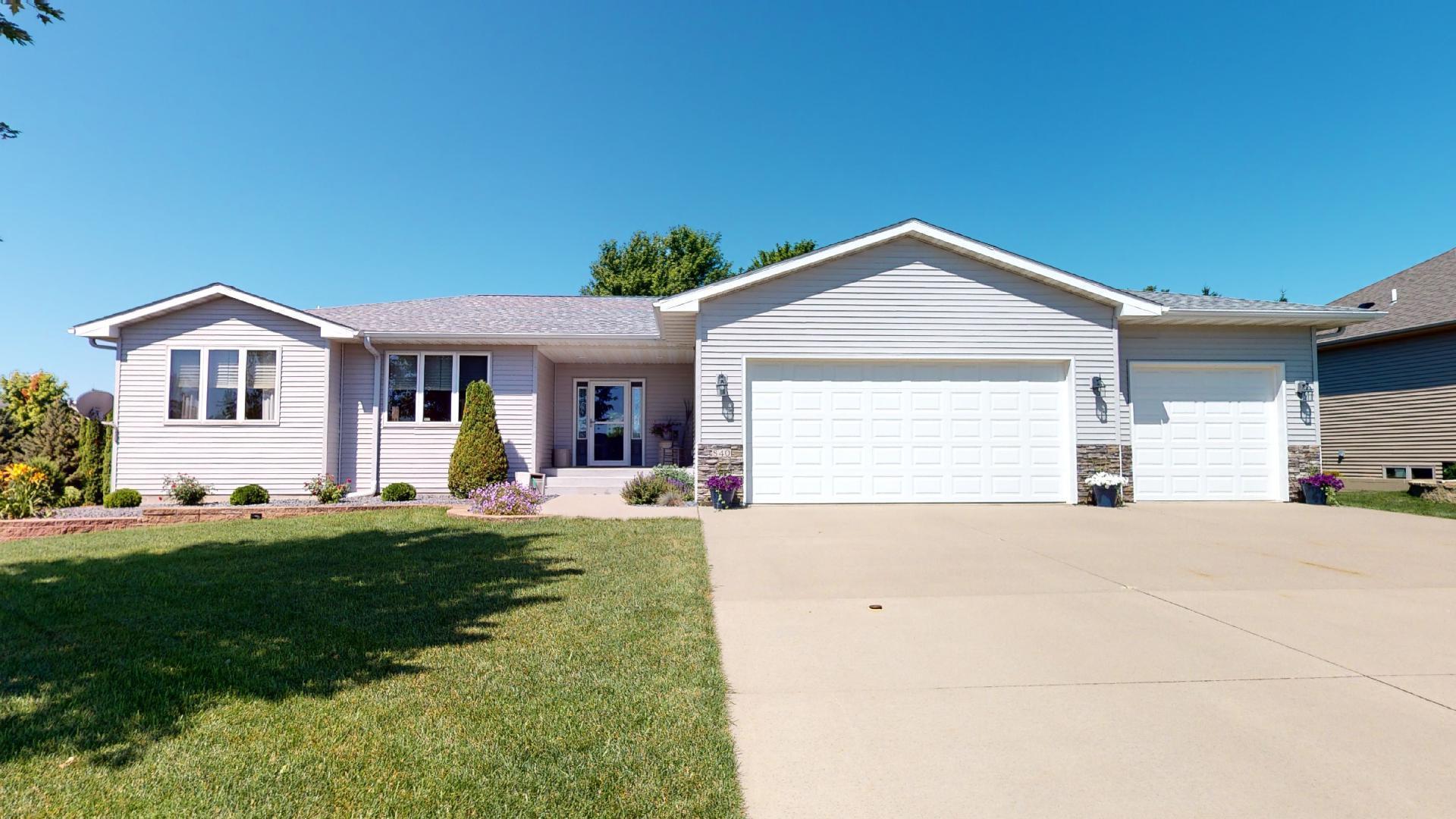 840 Countryview Avenue Property Photo