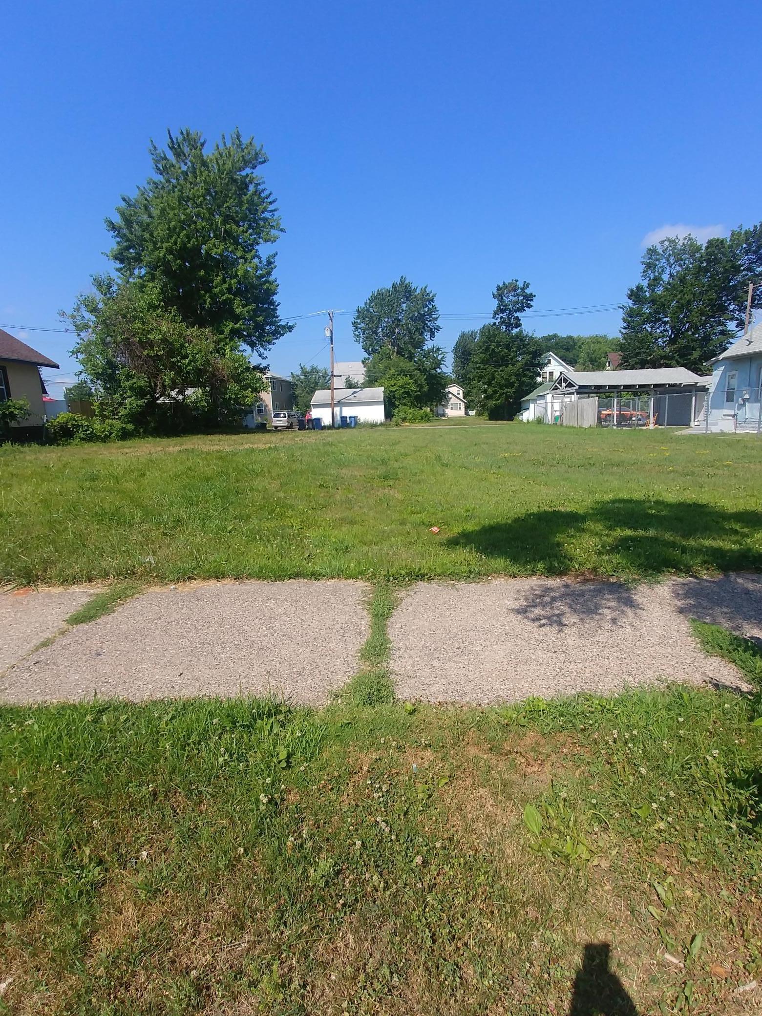 2635 Oliver Avenue N Property Photo
