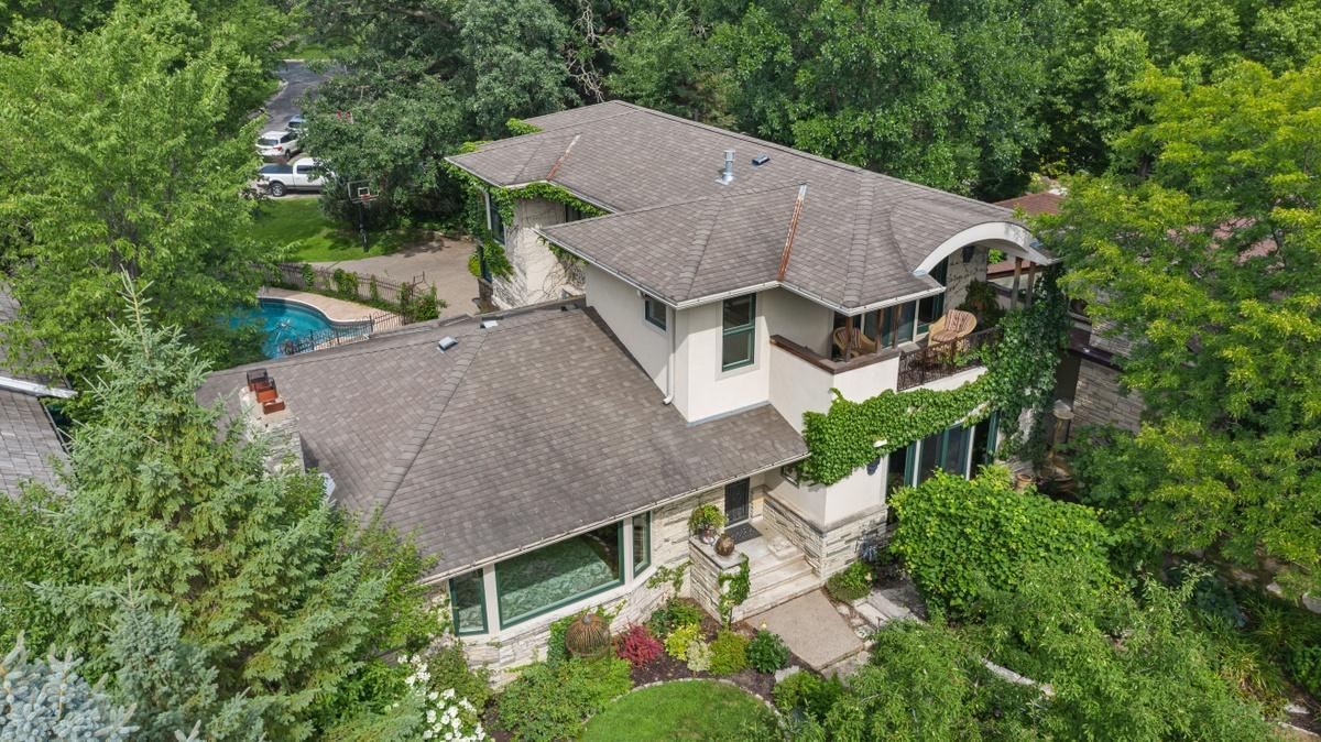 2214 Cedar Lake Parkway Property Photo