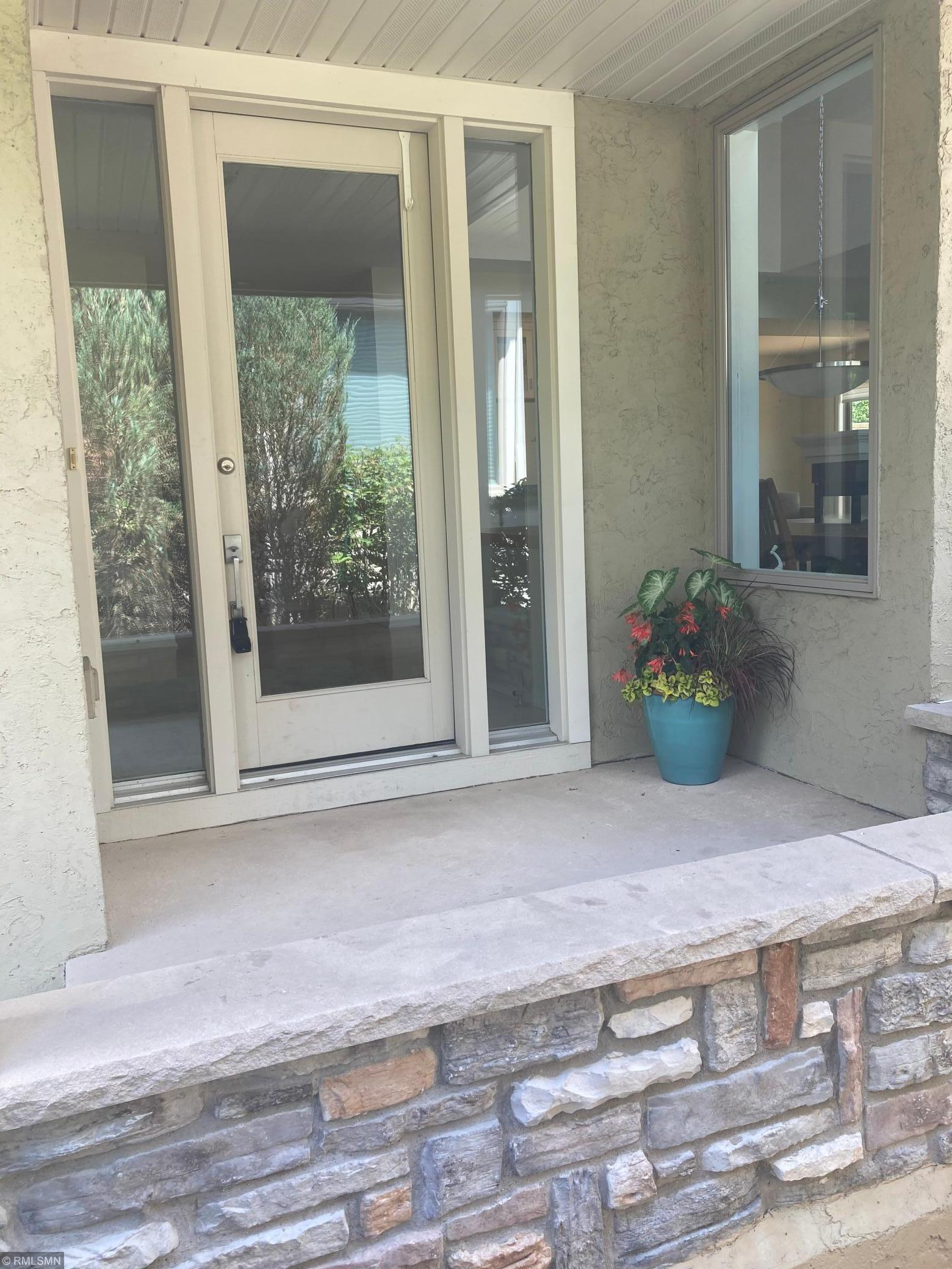 1425 Waterford Drive Property Photo - Golden Valley, MN real estate listing