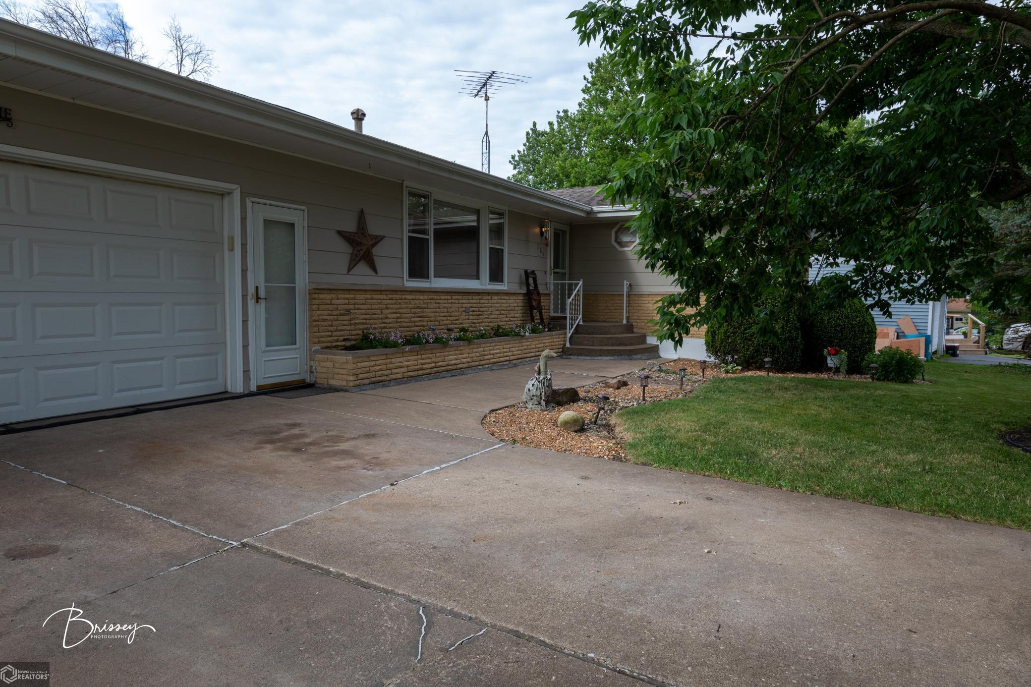 206 Birch Property Photo - Danville, IA real estate listing