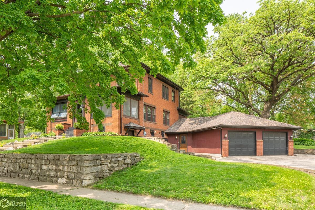 1010 1st N Property Photo - Clear Lake, IA real estate listing