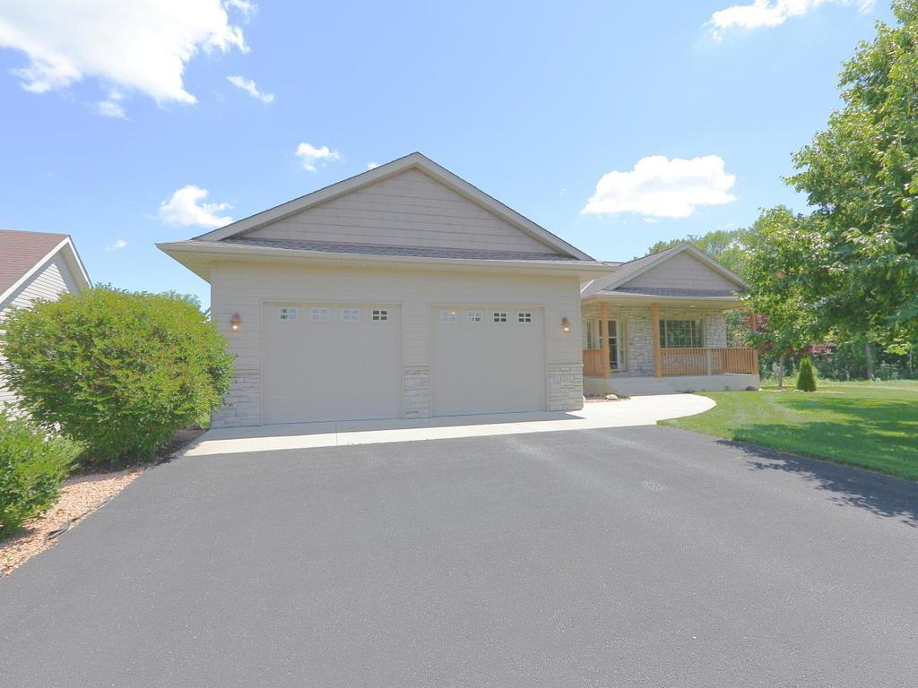 55354 Real Estate Listings Main Image