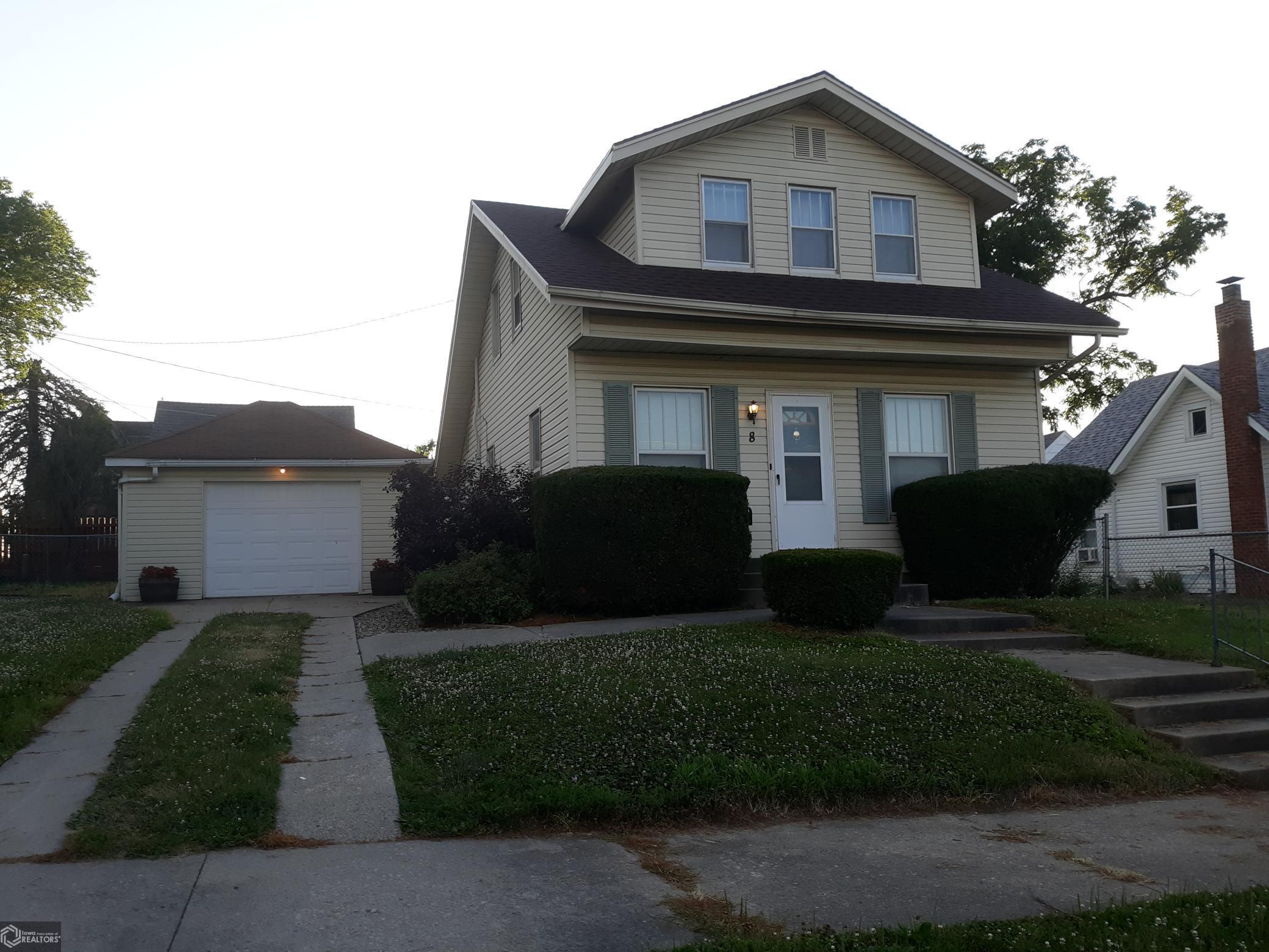 8 11th Property Photo - Marshalltown, IA real estate listing