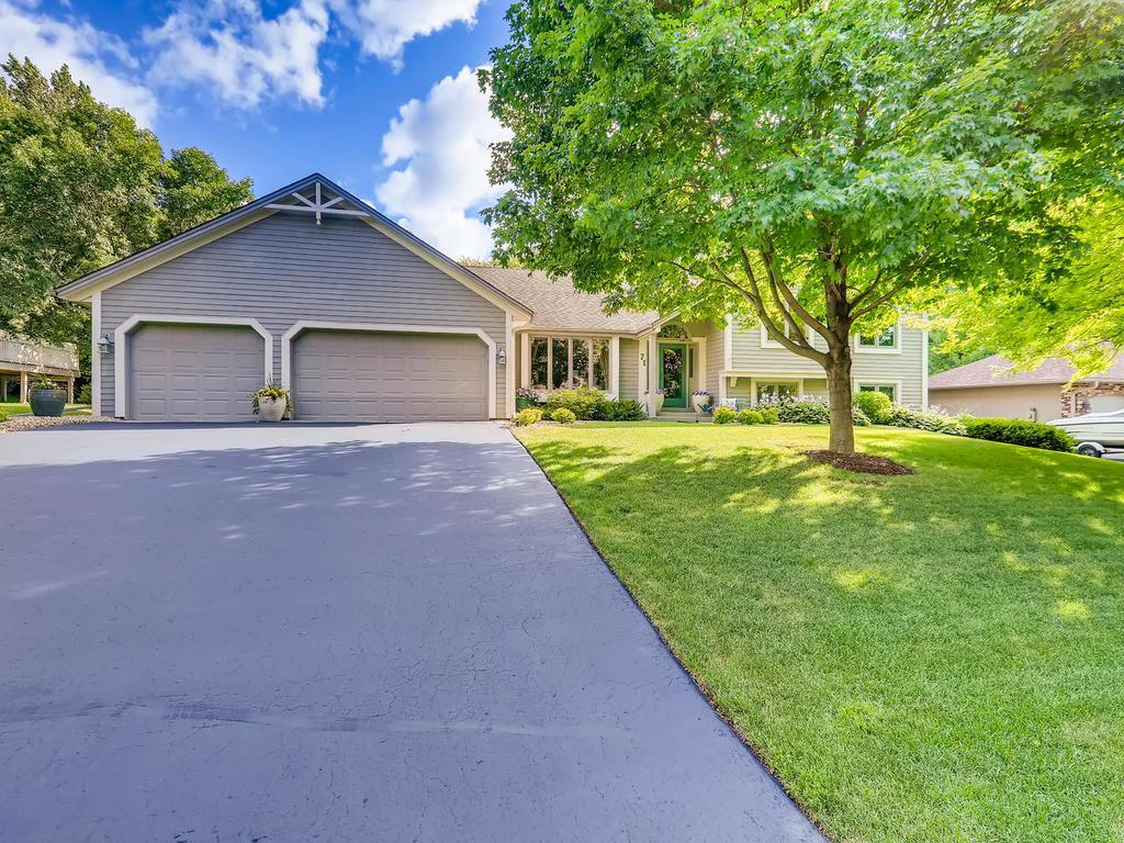 71 Carriage Lane Property Photo - Burnsville, MN real estate listing