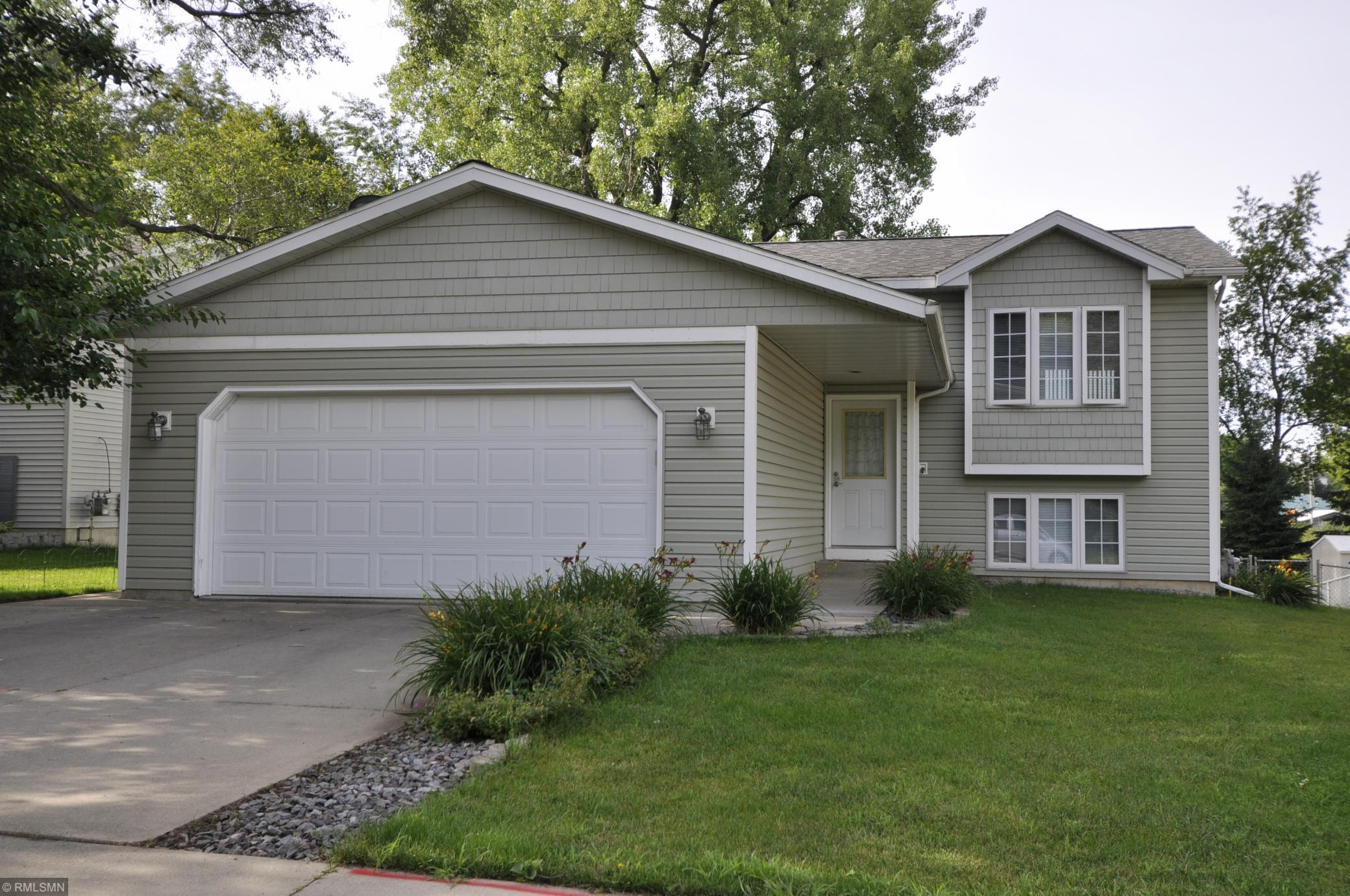 3834 Strathmore SE Property Photo - Rochester, MN real estate listing