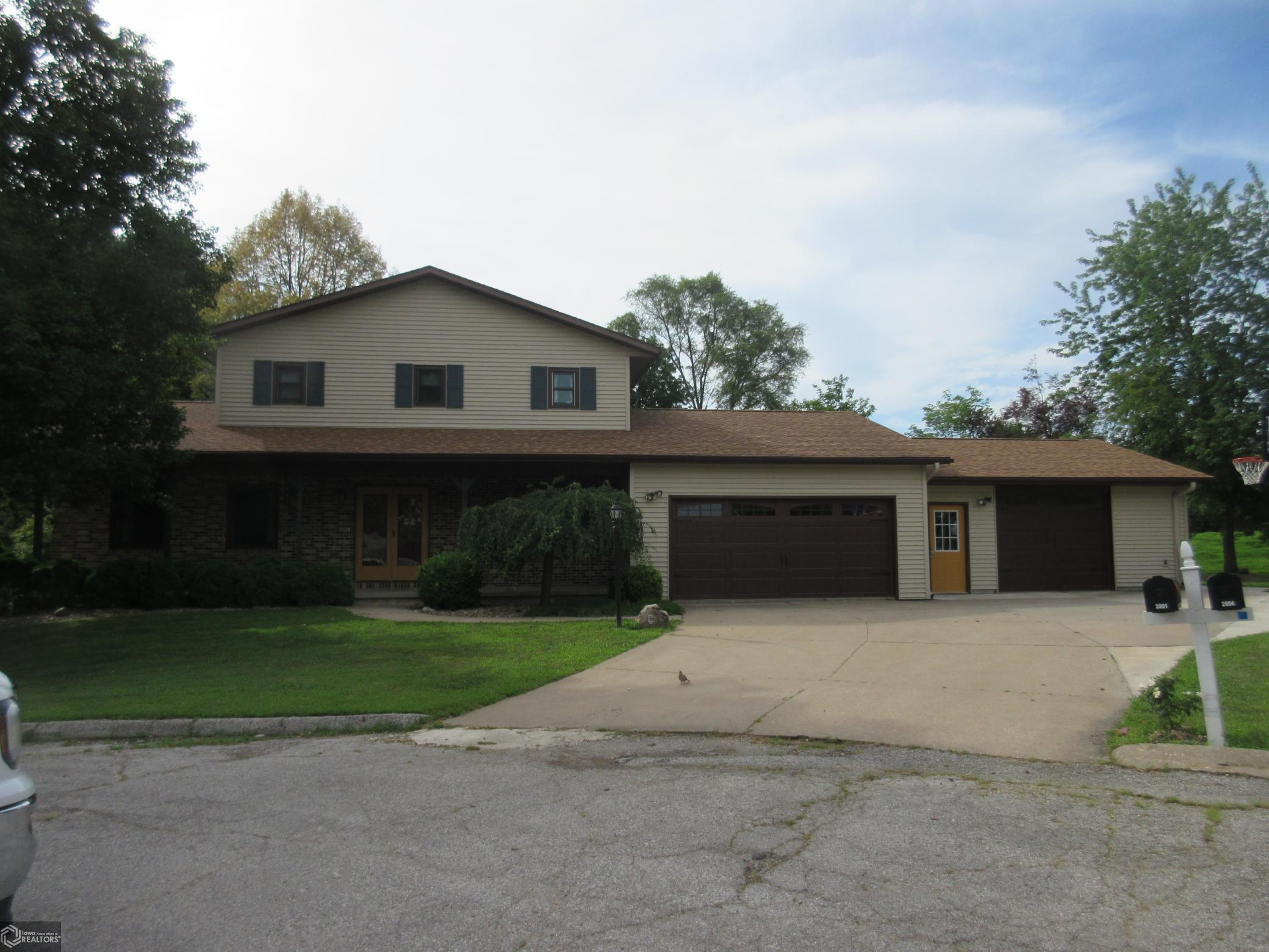 2001 Meadow Property Photo - Keokuk, IA real estate listing