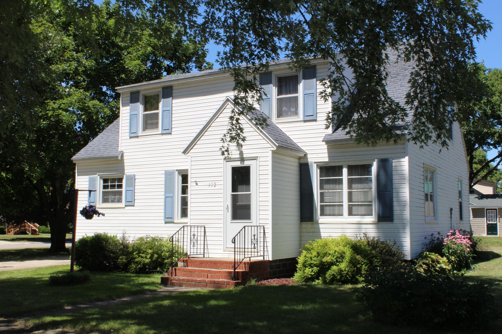 112 4th Street W Property Photo - Sherburn, MN real estate listing
