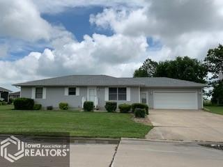 1000 Redbud Property Photo - Mount Pleasant, IA real estate listing