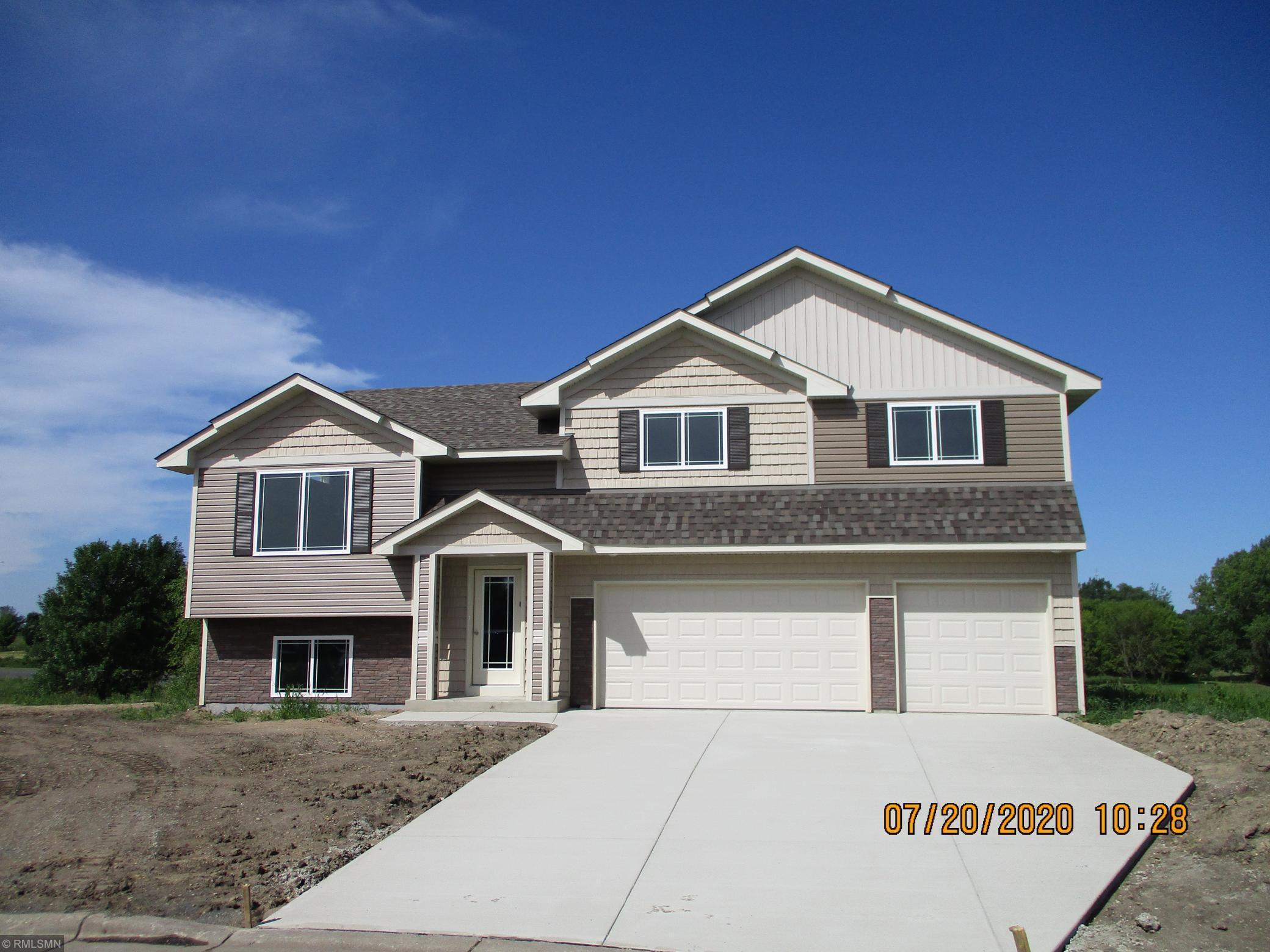 909 Burton Circle Property Photo - Montrose, MN real estate listing