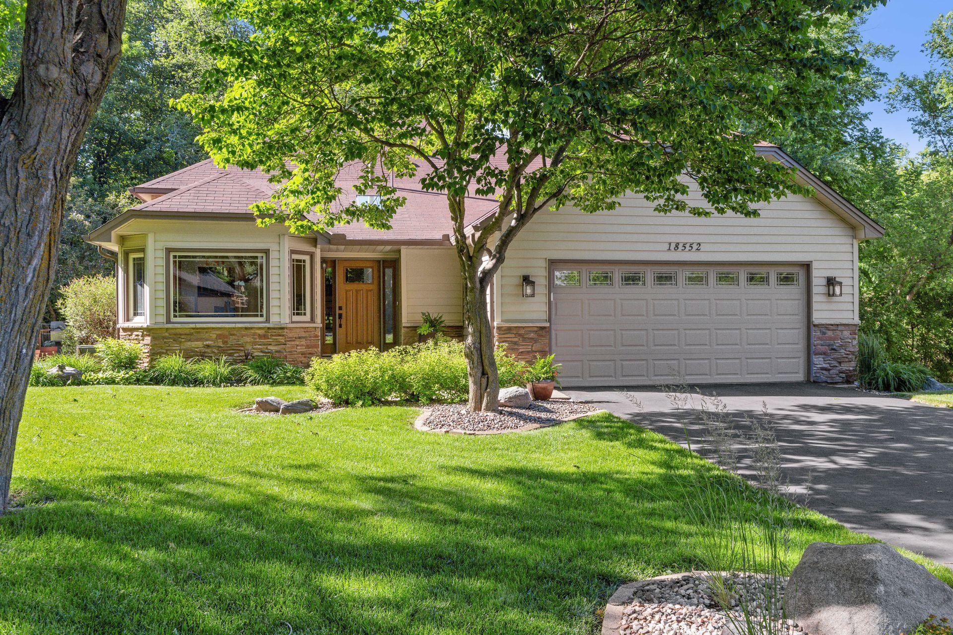 18552 Avon Court Property Photo - Eden Prairie, MN real estate listing