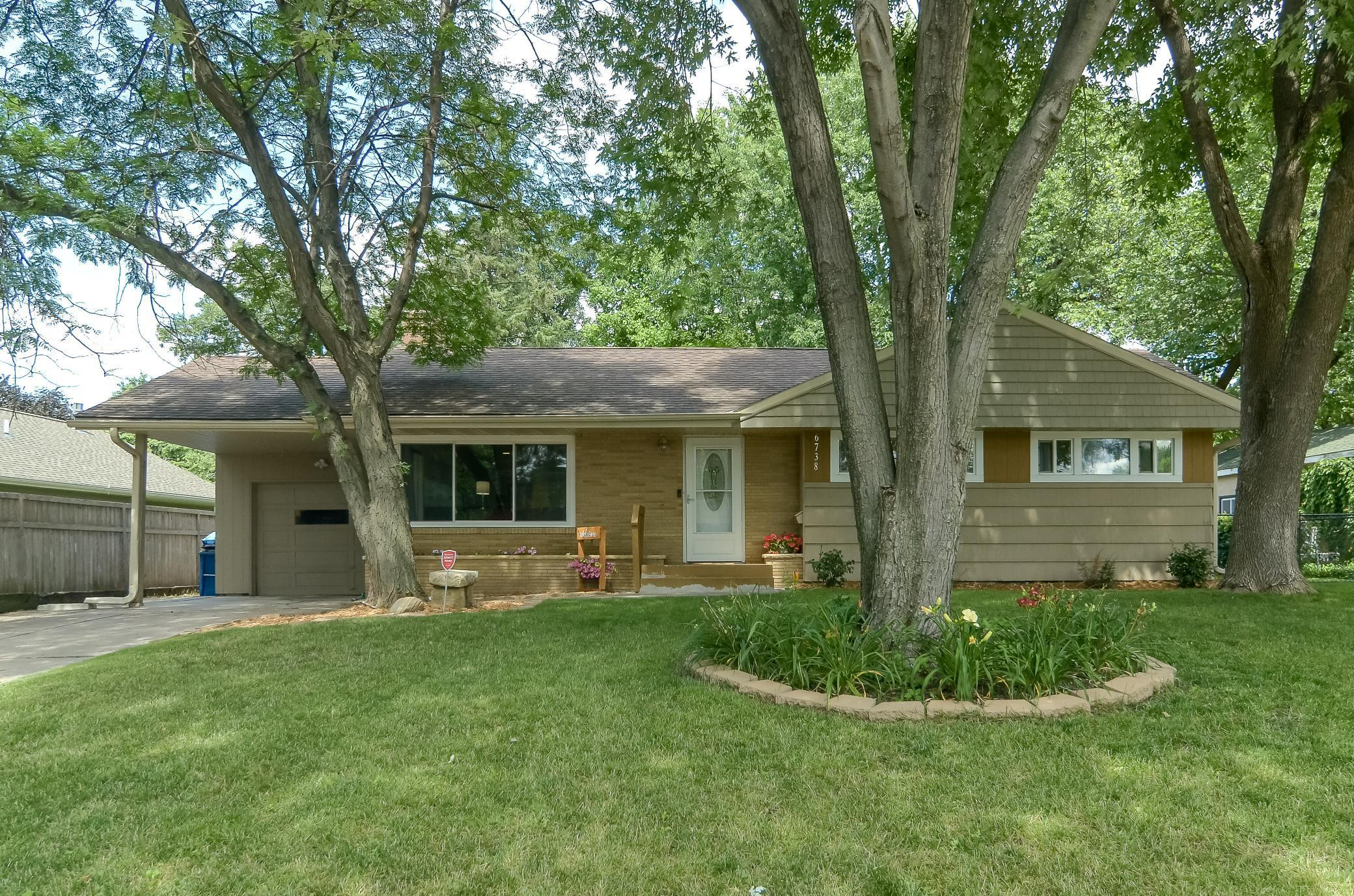 6738 Plymouth Avenue N Property Photo - Golden Valley, MN real estate listing