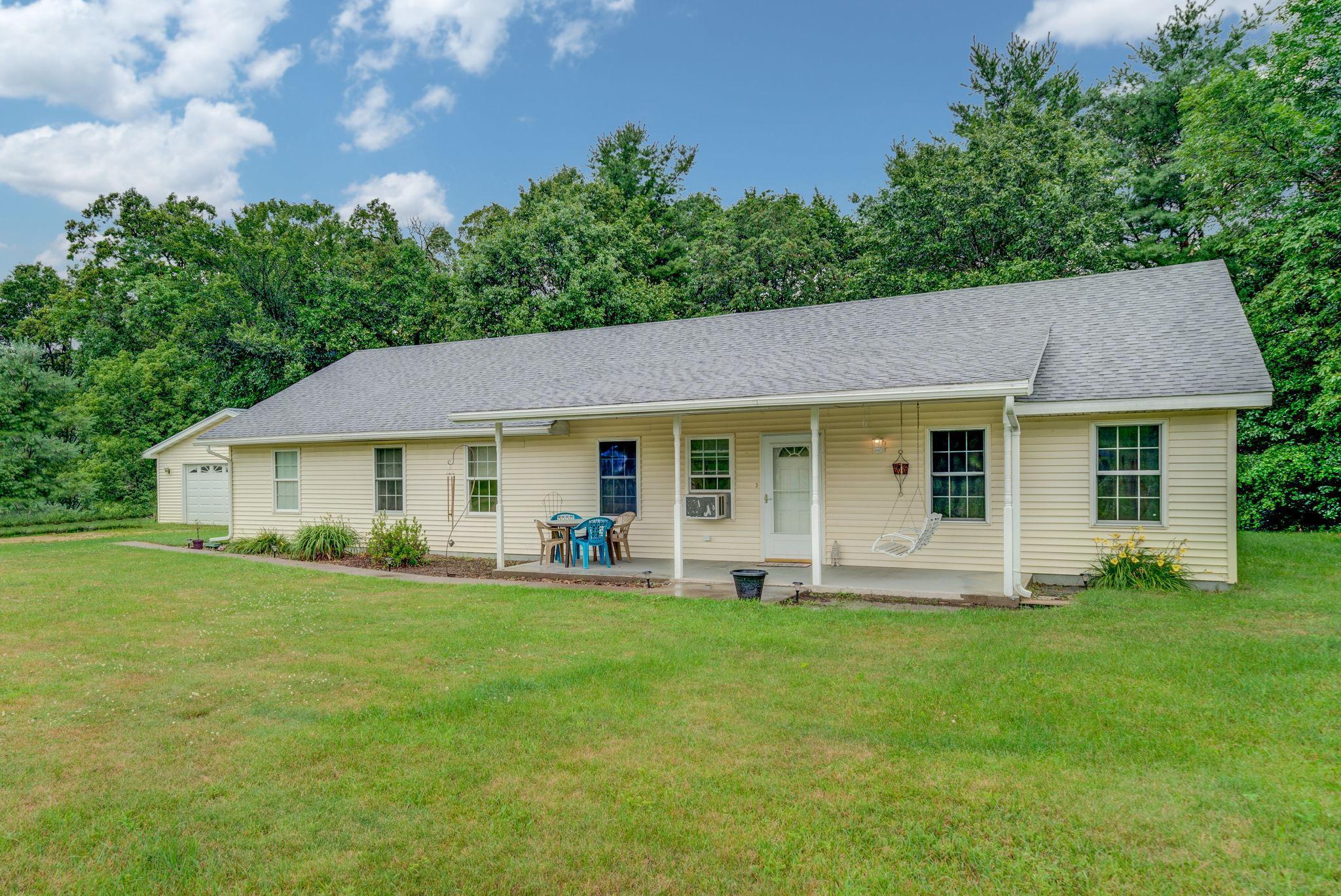 607 River Boulevard Property Photo - Wheeler, WI real estate listing