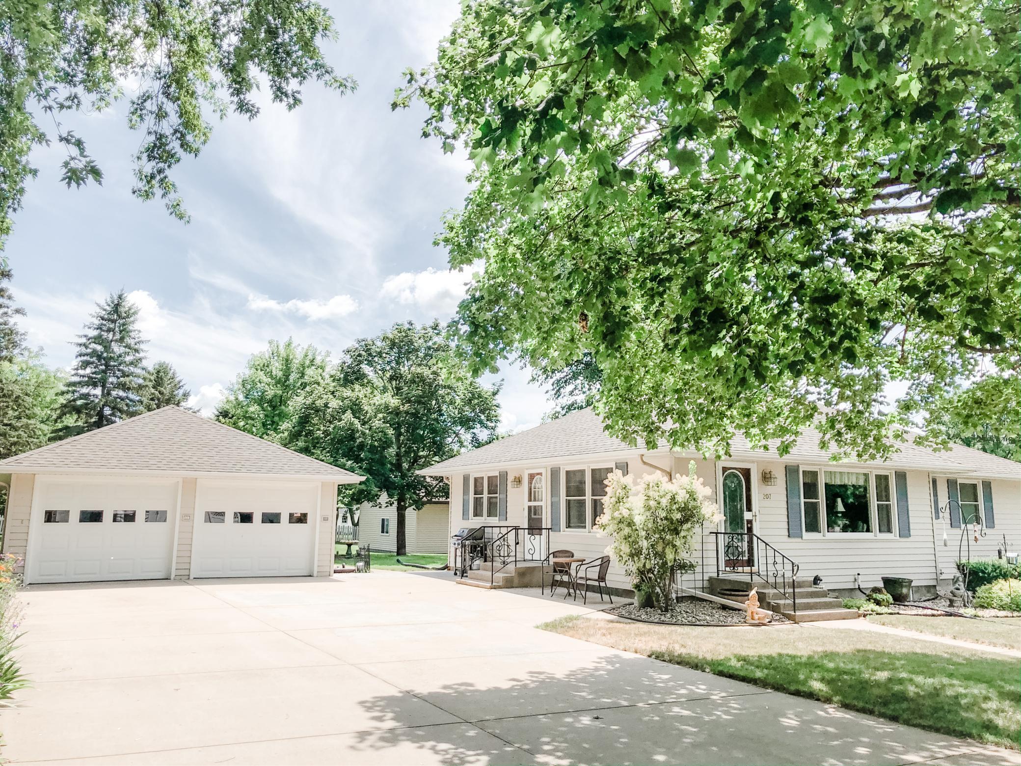 Adrian Real Estate Listings Main Image