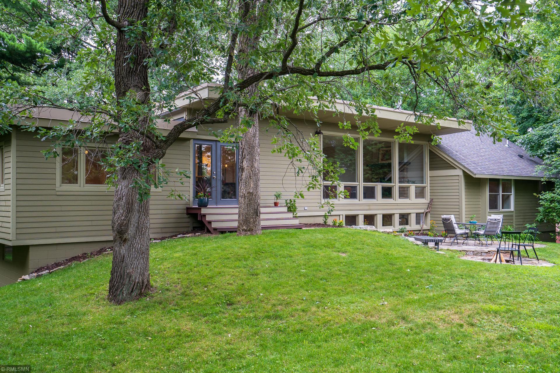 717 Arcwood Road Property Photo - Mahtomedi, MN real estate listing
