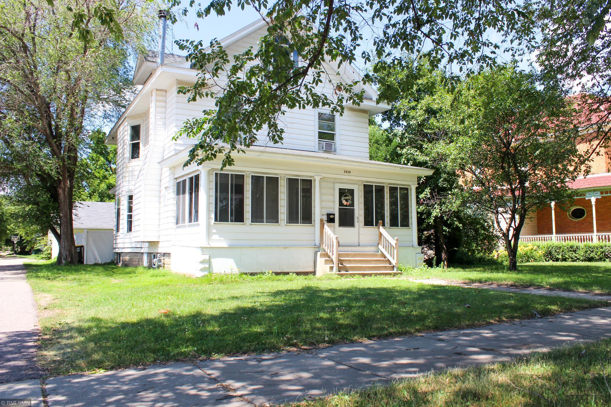 1212 Minnesota Property Photo - Saint Peter, MN real estate listing