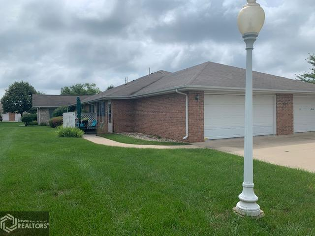 1702 Linden #A Property Photo - Fairfield, IA real estate listing
