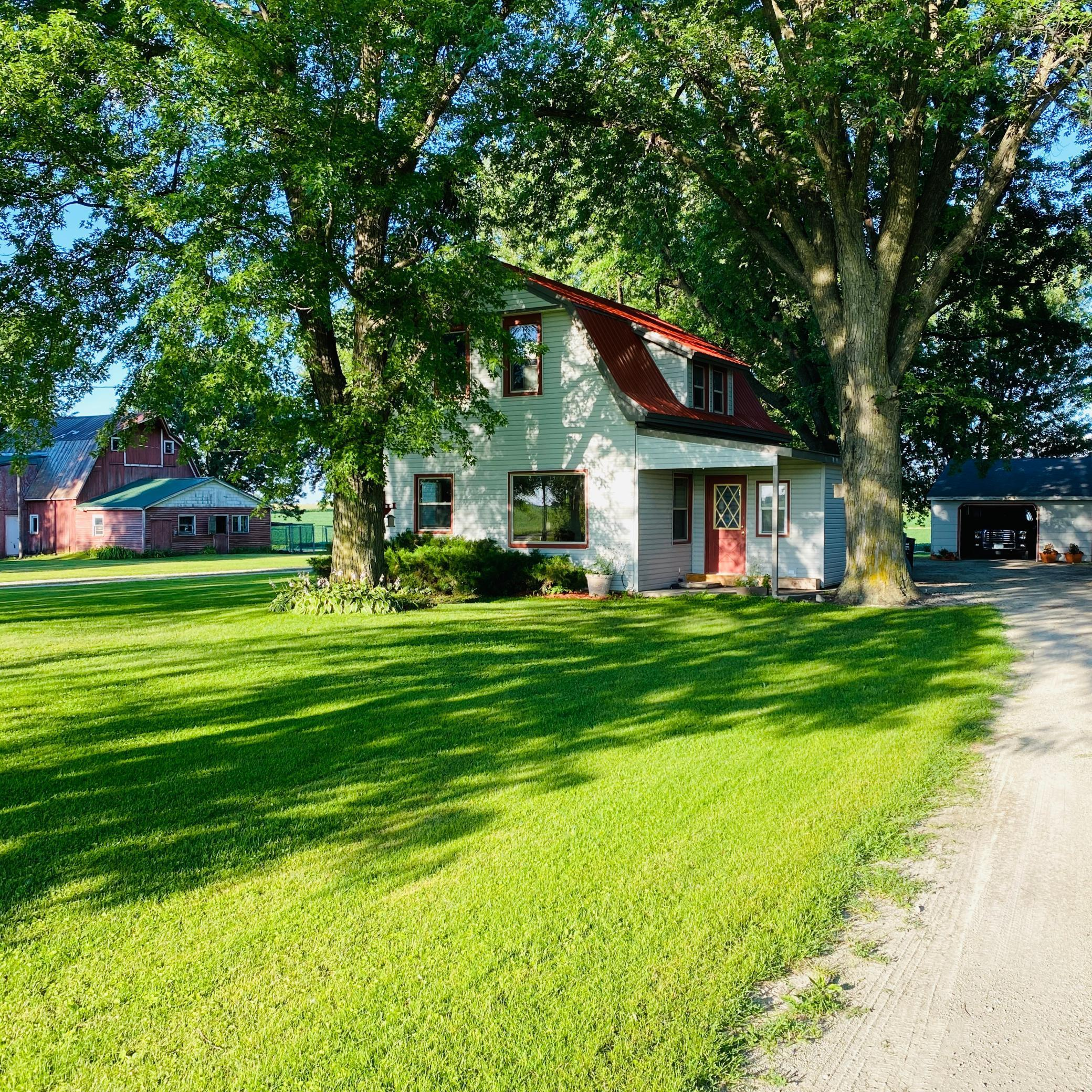 65686 180th Avenue Property Photo - Dodge Center, MN real estate listing
