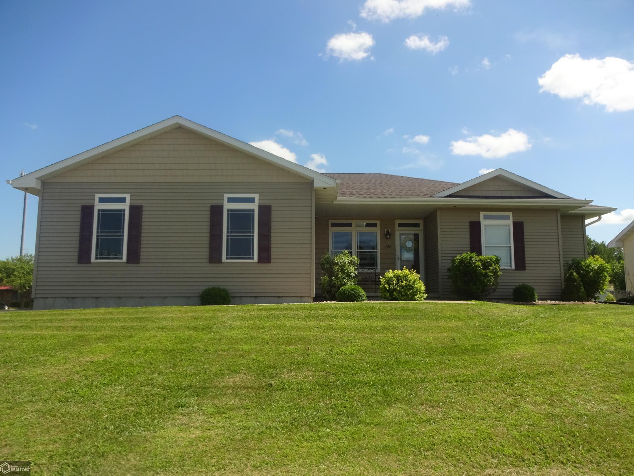 303 Walnut Property Photo - Danville, IA real estate listing