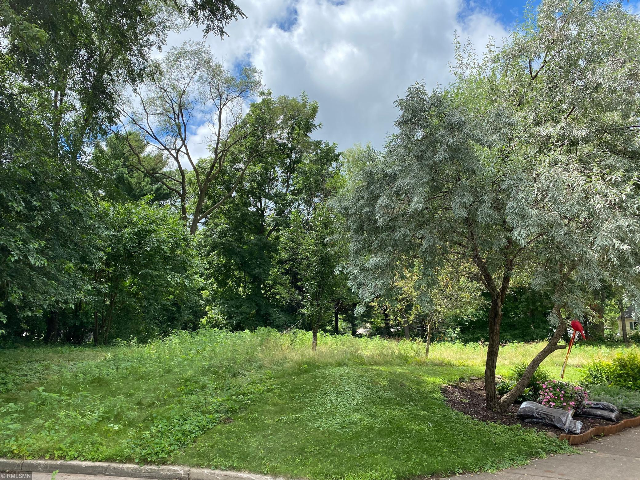 2404 13th Street Property Photo - Eau Claire, WI real estate listing