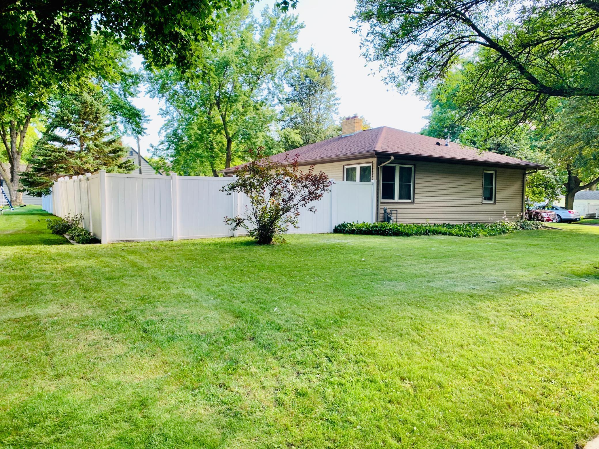 372 1st Street E Property Photo - Tracy, MN real estate listing